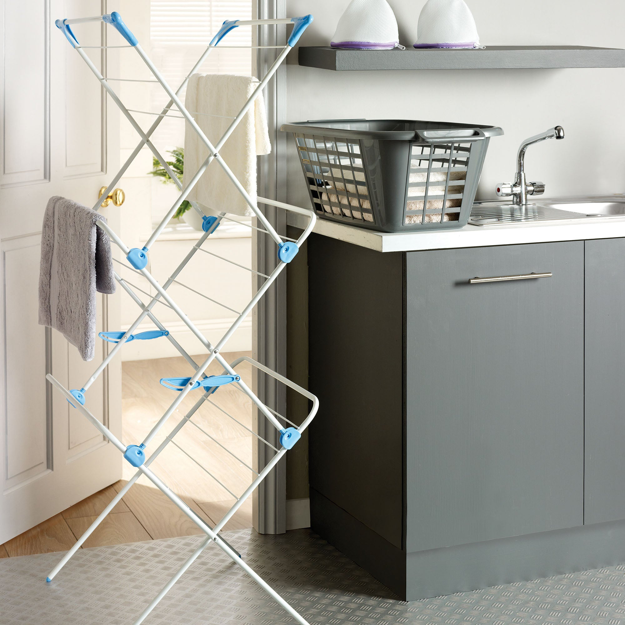 minky concertina indoor clothes airer dunelm. Black Bedroom Furniture Sets. Home Design Ideas