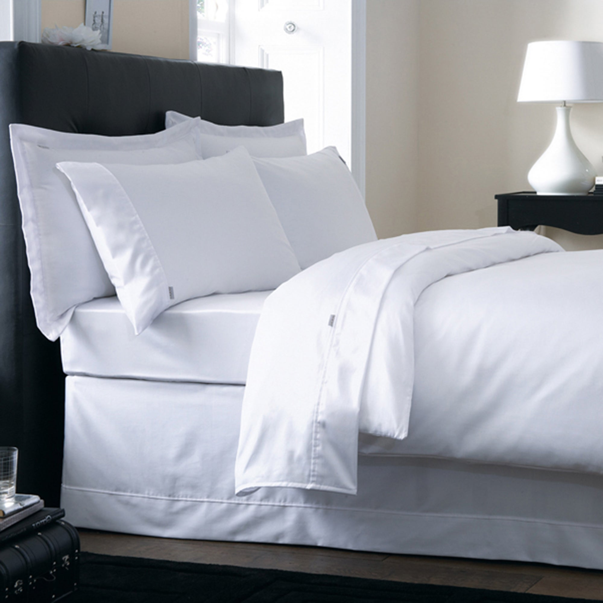 Dorma 350 Thread Count Plain Dye Bedlinen Collection