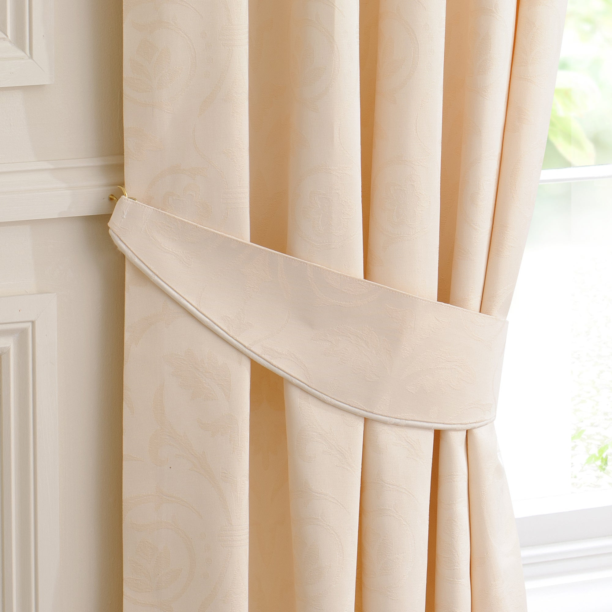Natural Sandringham Curtain Collection