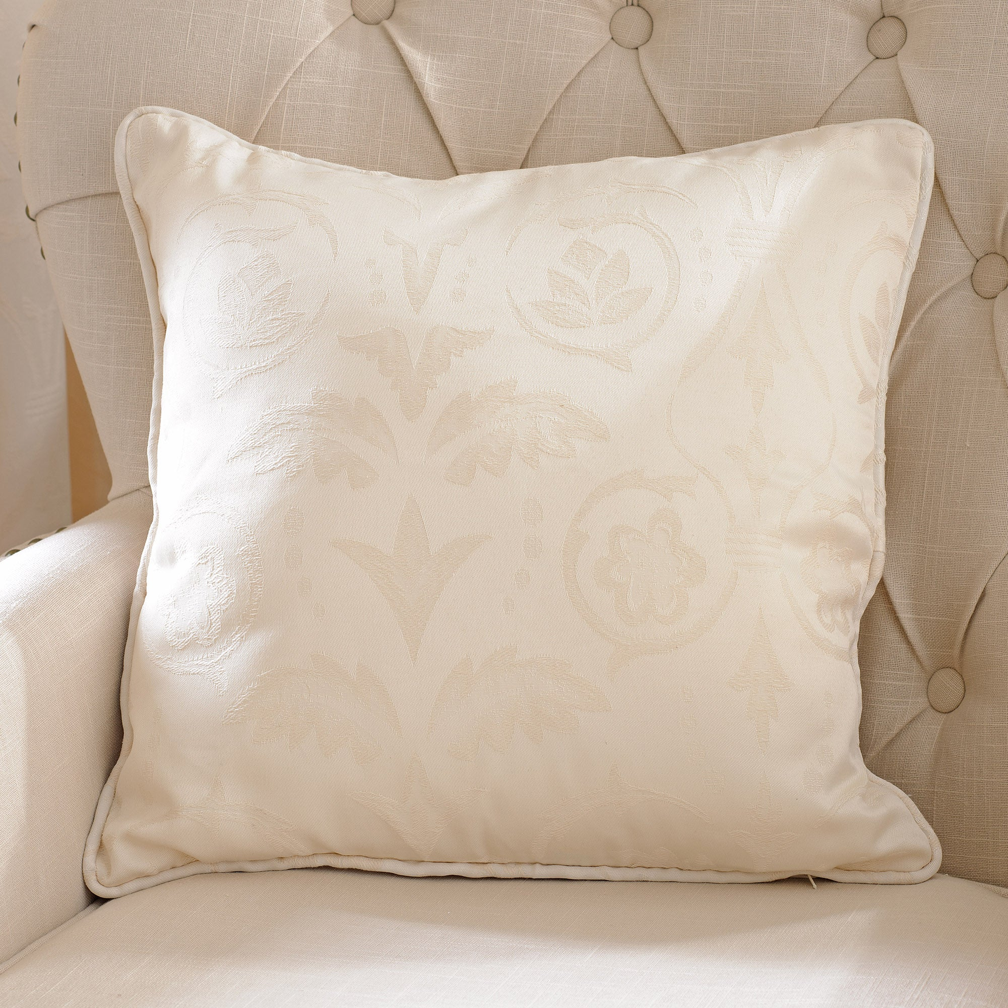 Natural Sandringham Collection Cushion