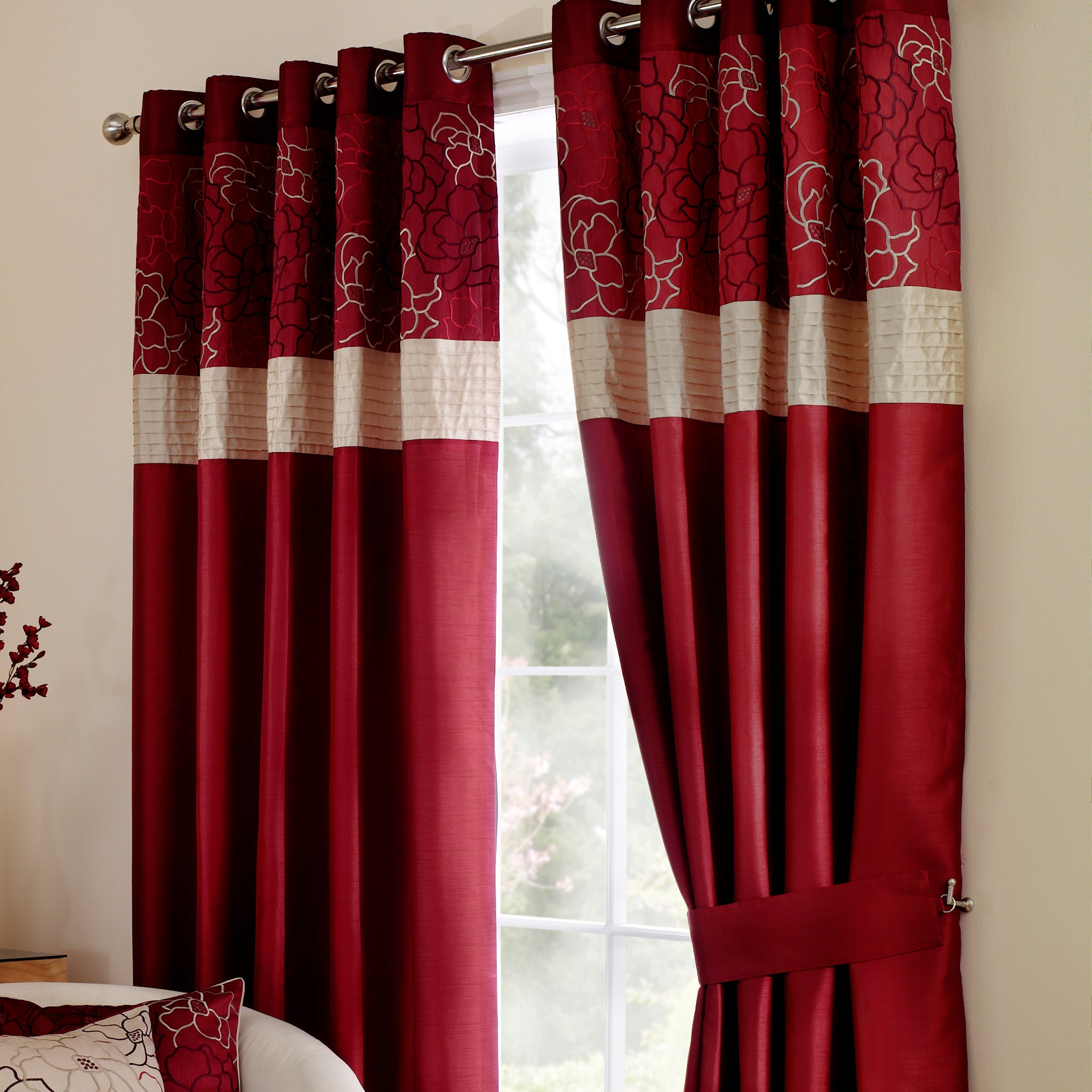 Wine Scattered Flowers Curtain Collection