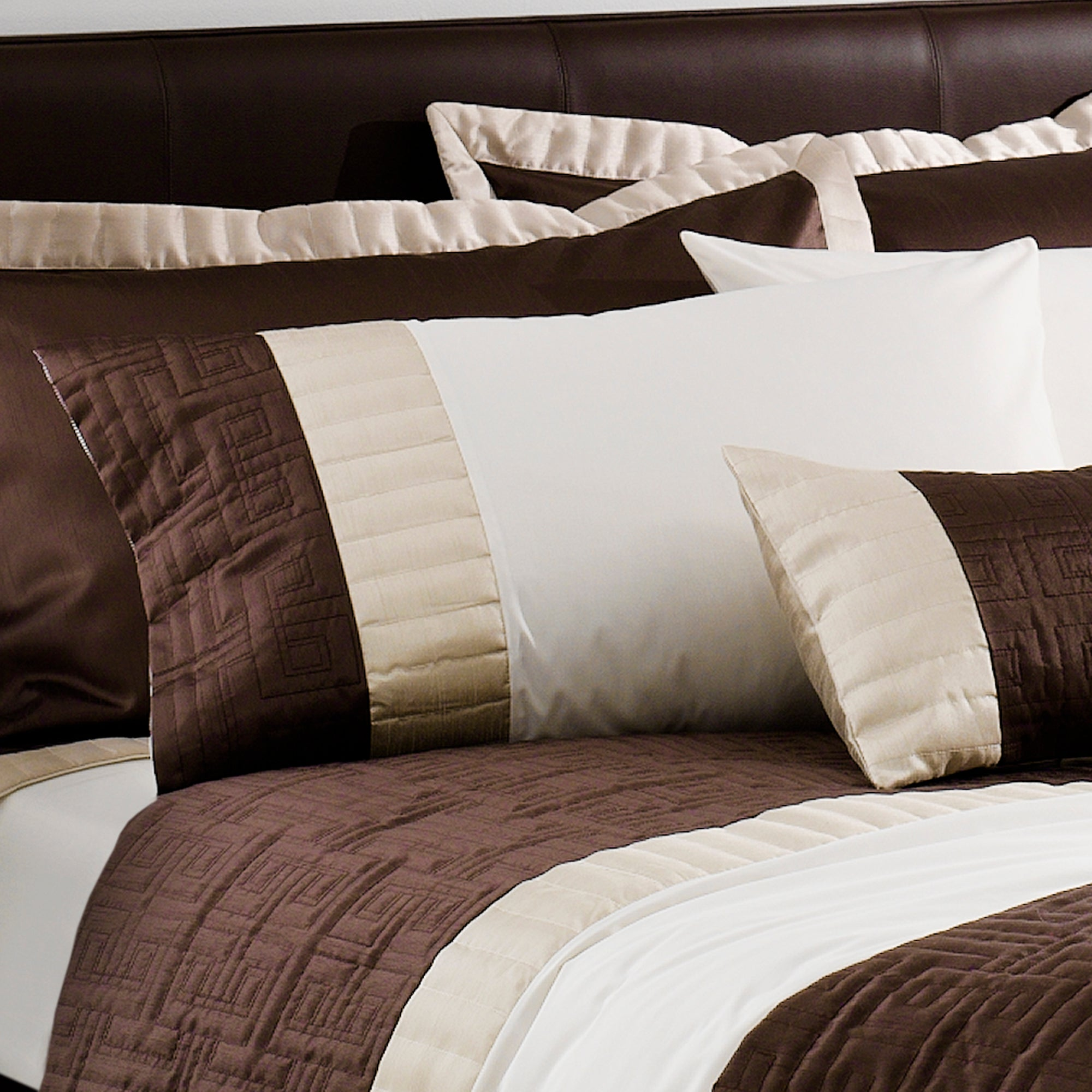 Chocolate Athens Bedlinen Collection