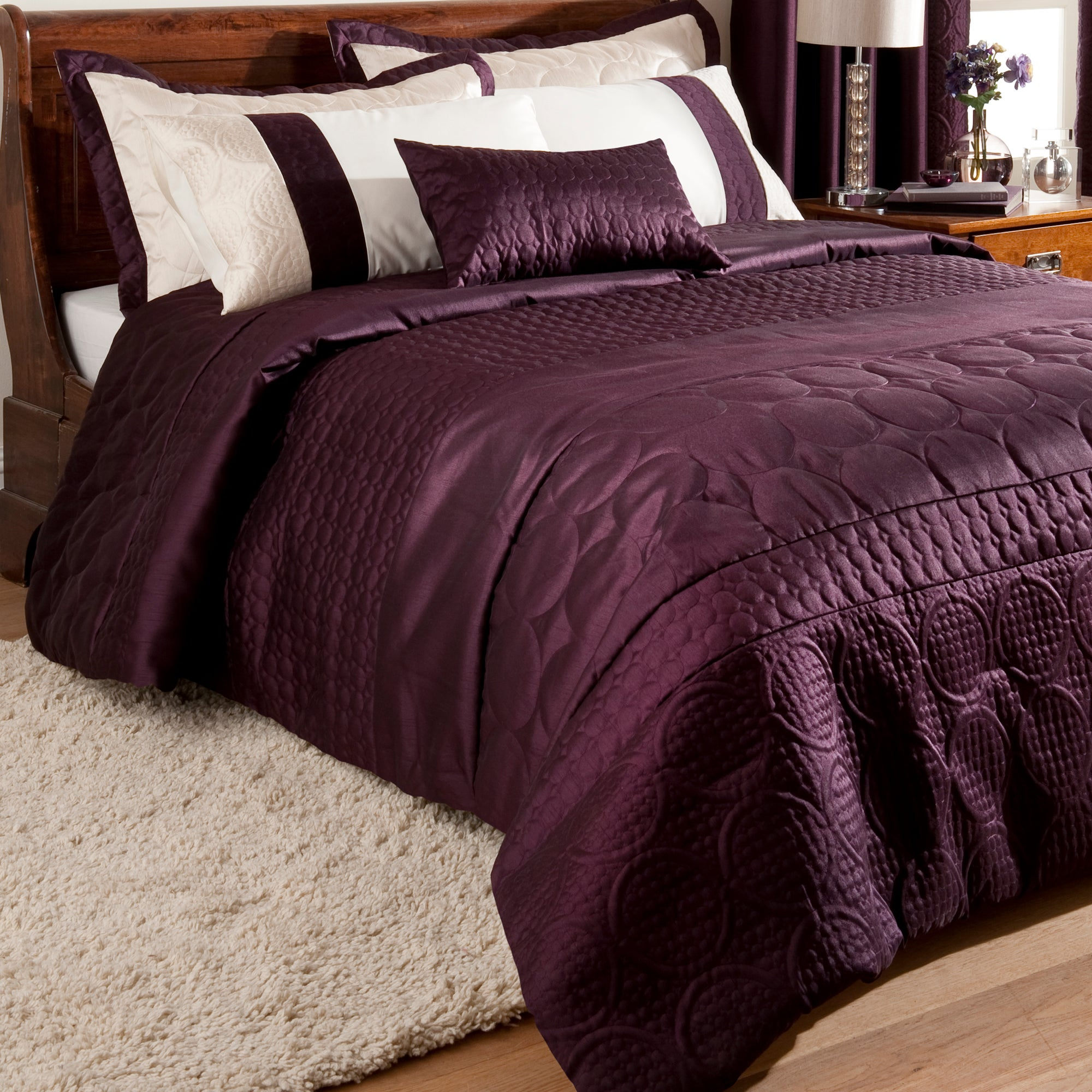 Plum Circles Collection Bedspread