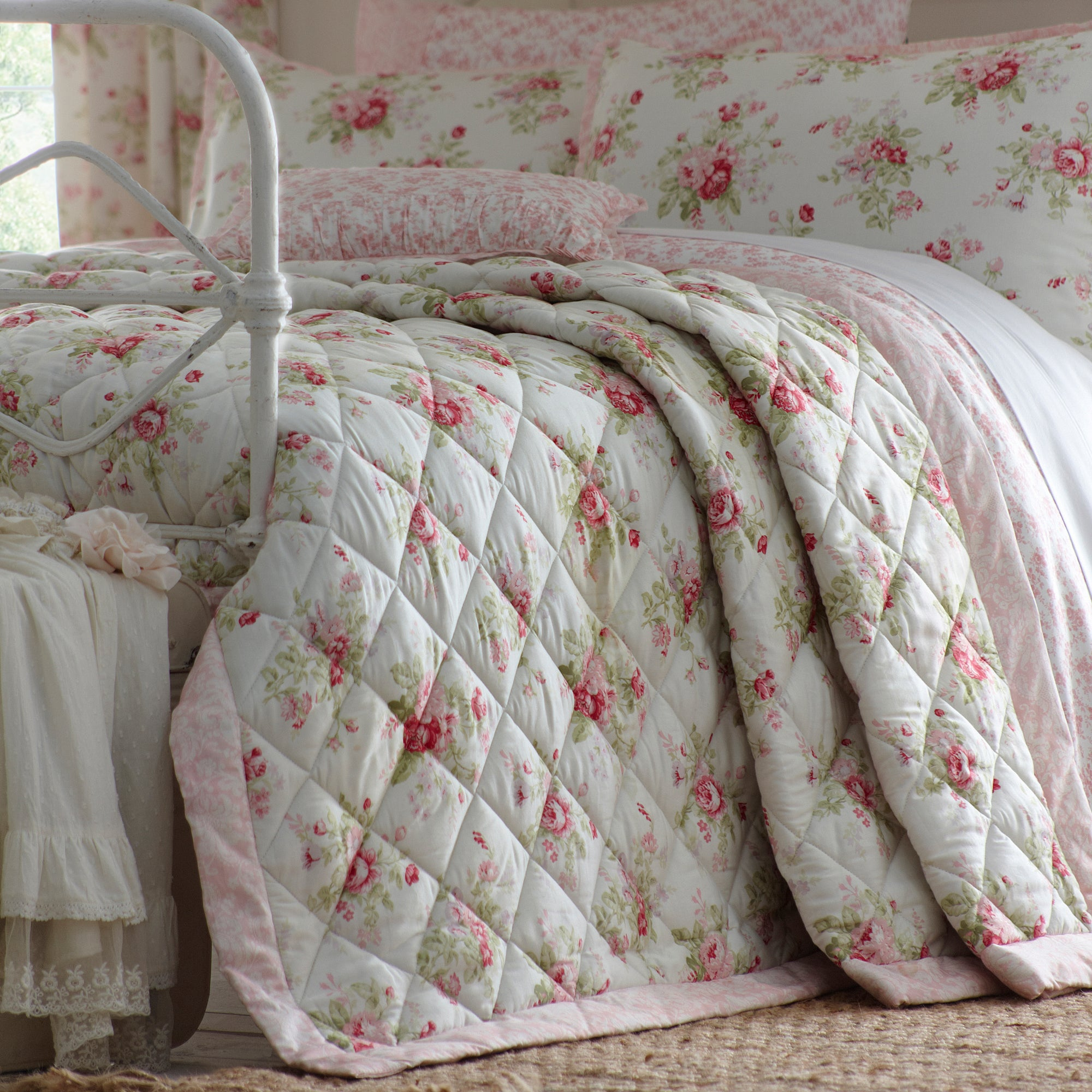 Dorma Pink Elsie Collection Quilted Throw