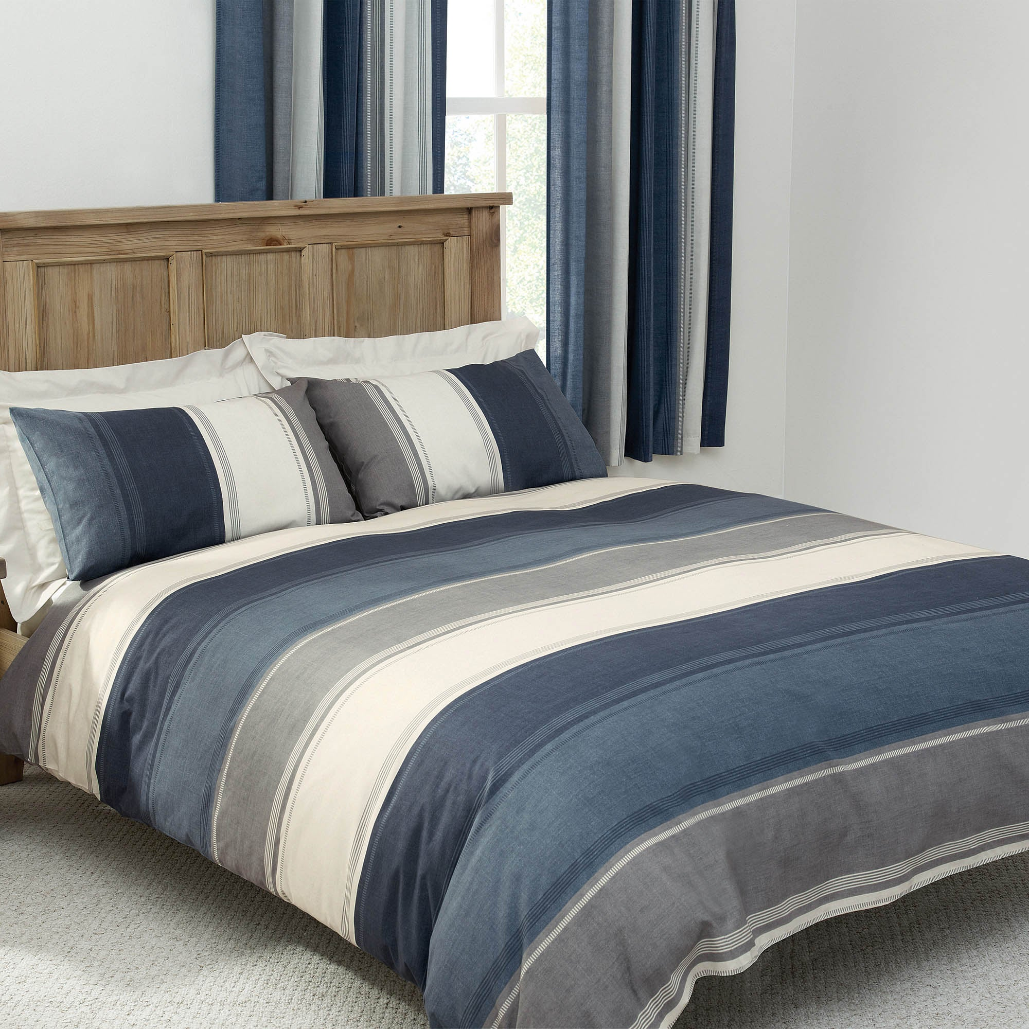 Blue Finley Collection Duvet Cover Set