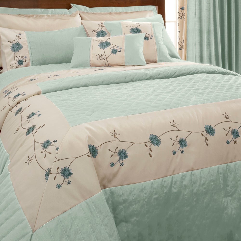 Duck Egg Ruby Collection Bedspread