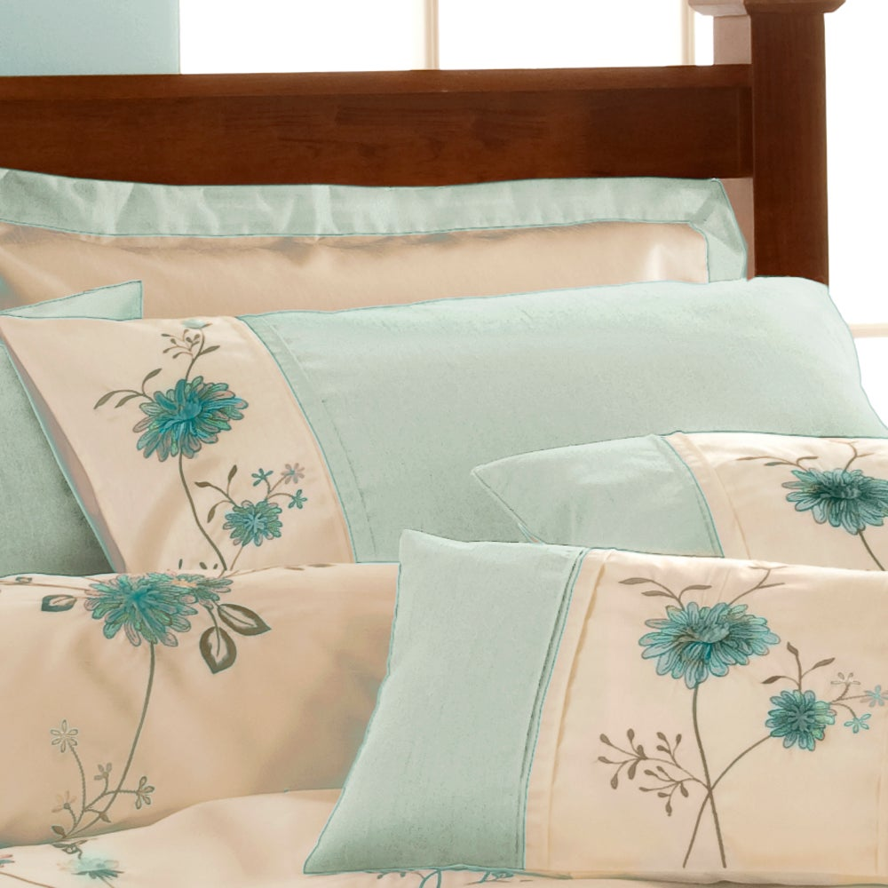 Duck Egg Ruby Bedlinen Collection