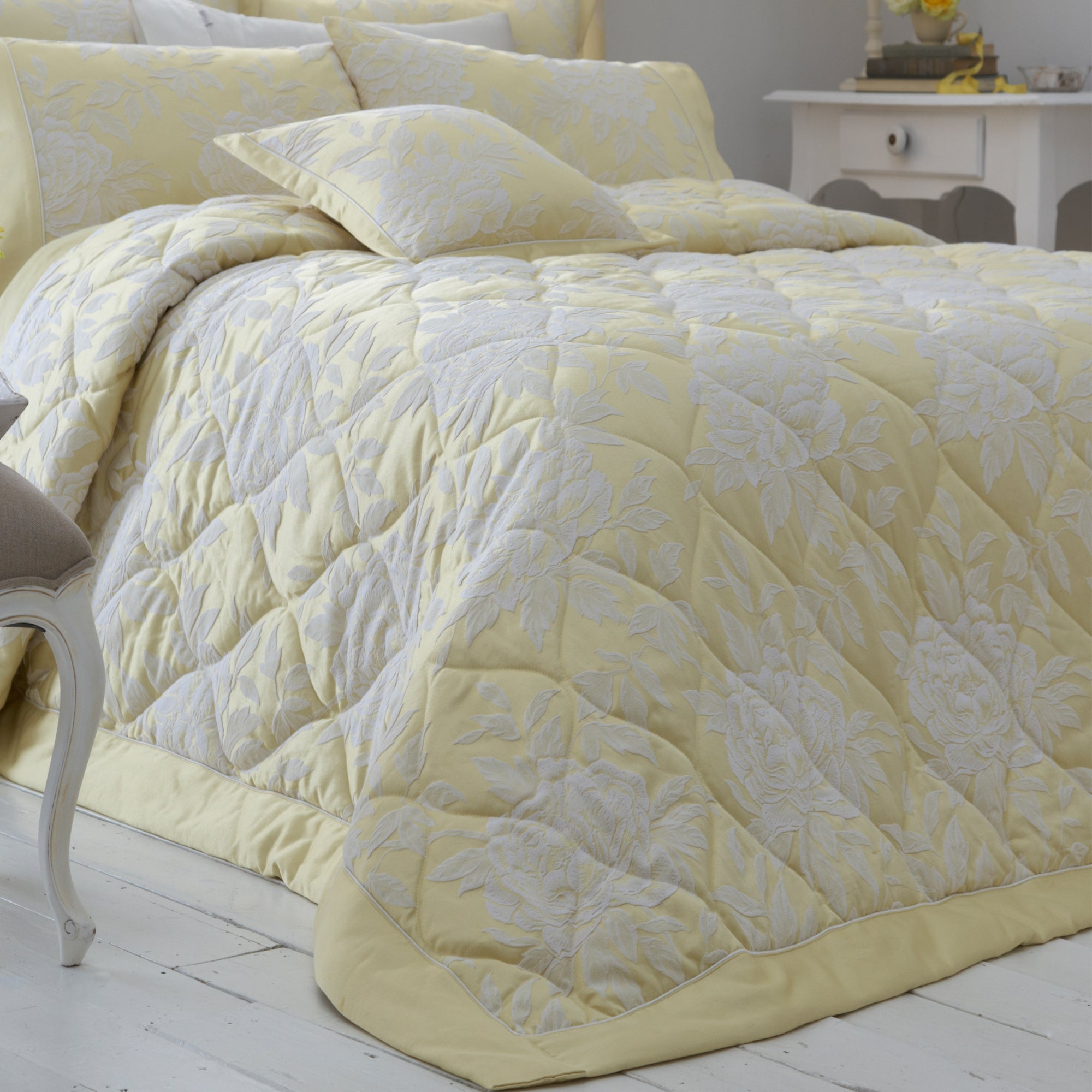 Dorma Lemon Chatsworth Collection Quilted Throw