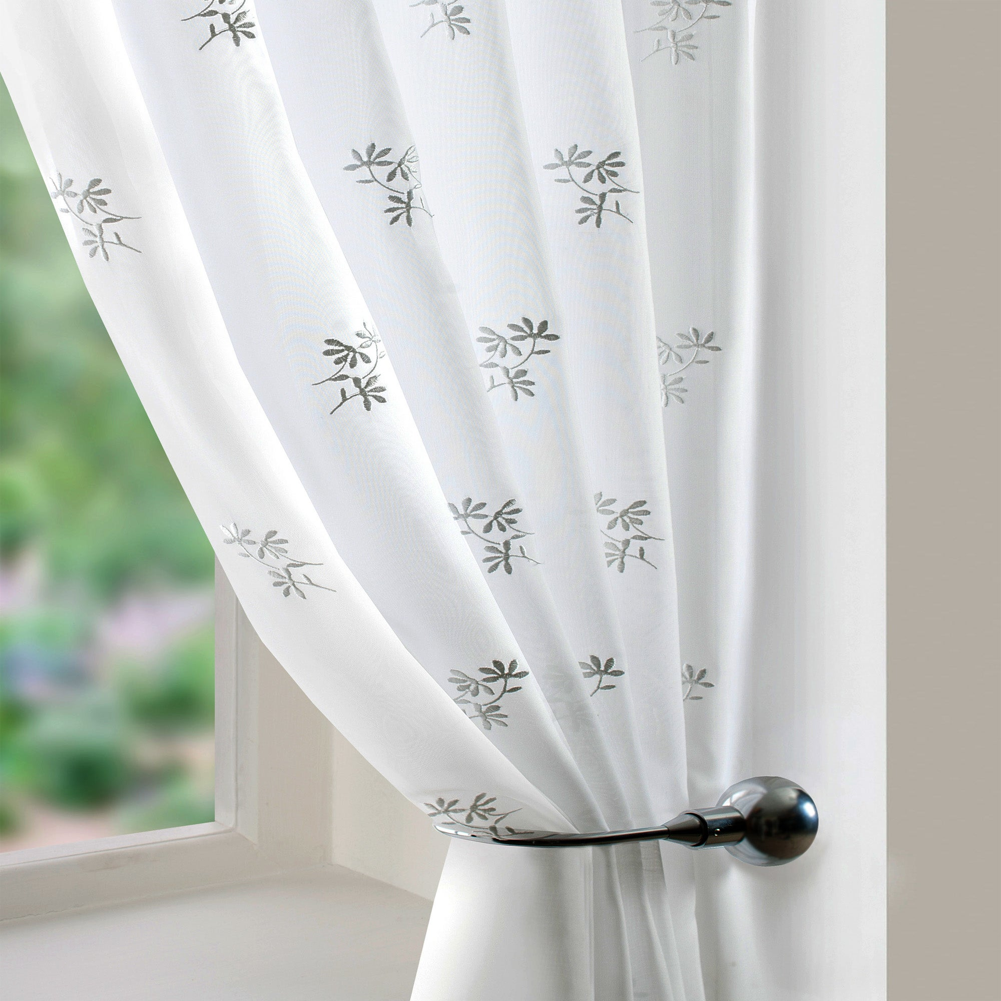 White Daisy Voile Panel