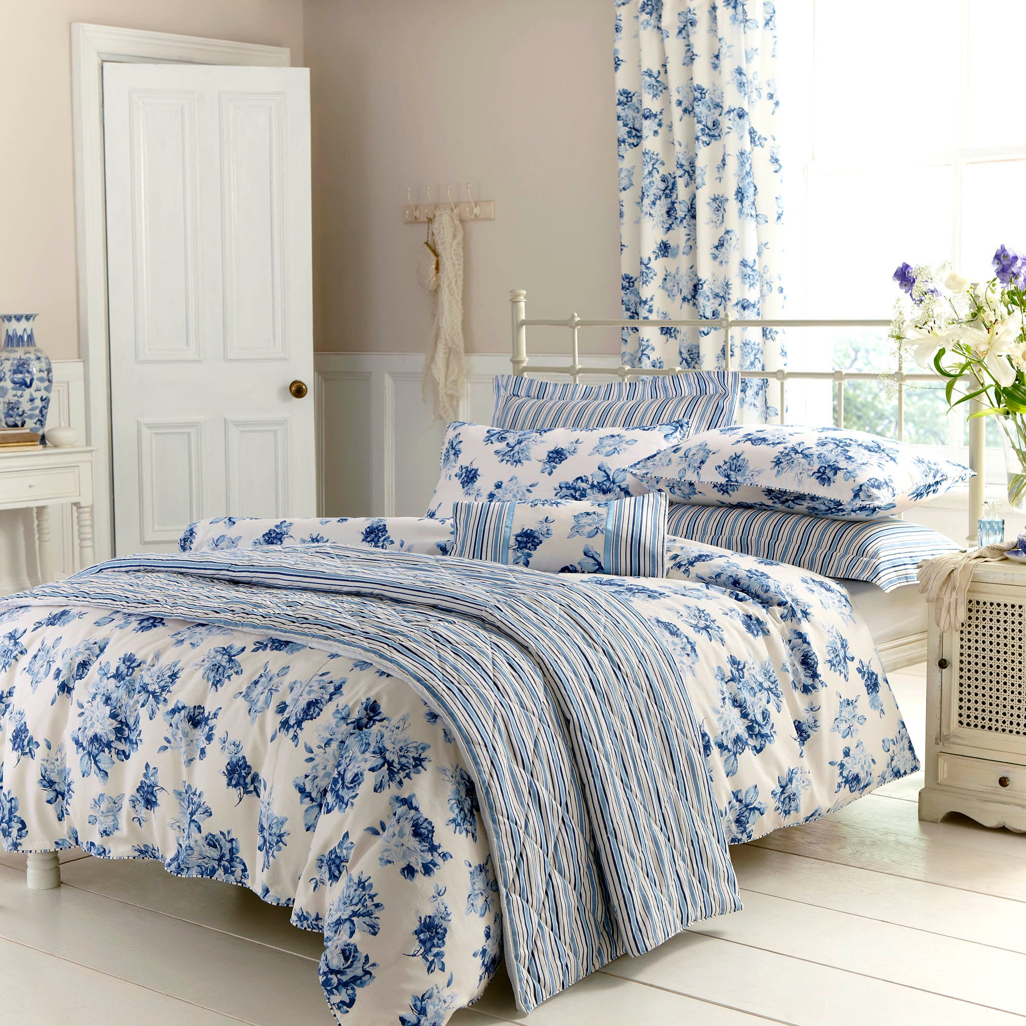 Blue Annabella Bedlinen Collection