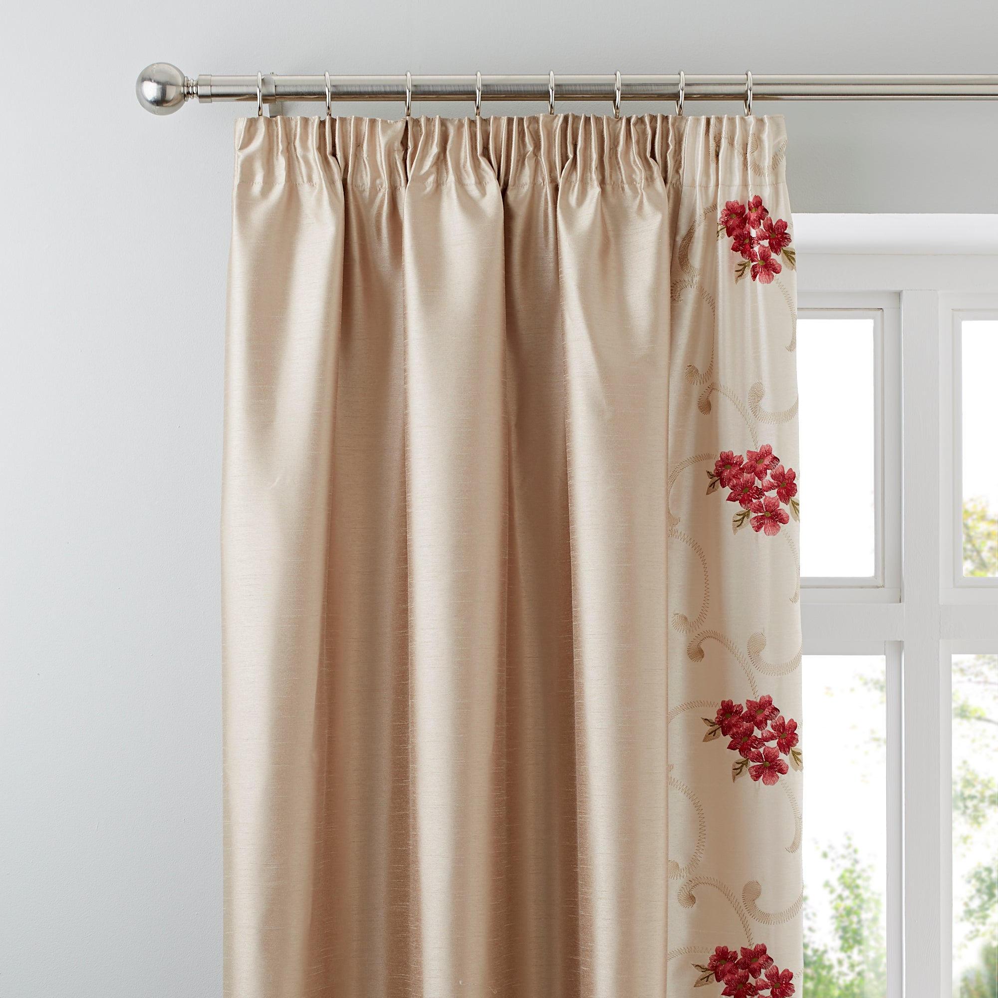 Red Juliet Thermal Pencil Pleat Curtains