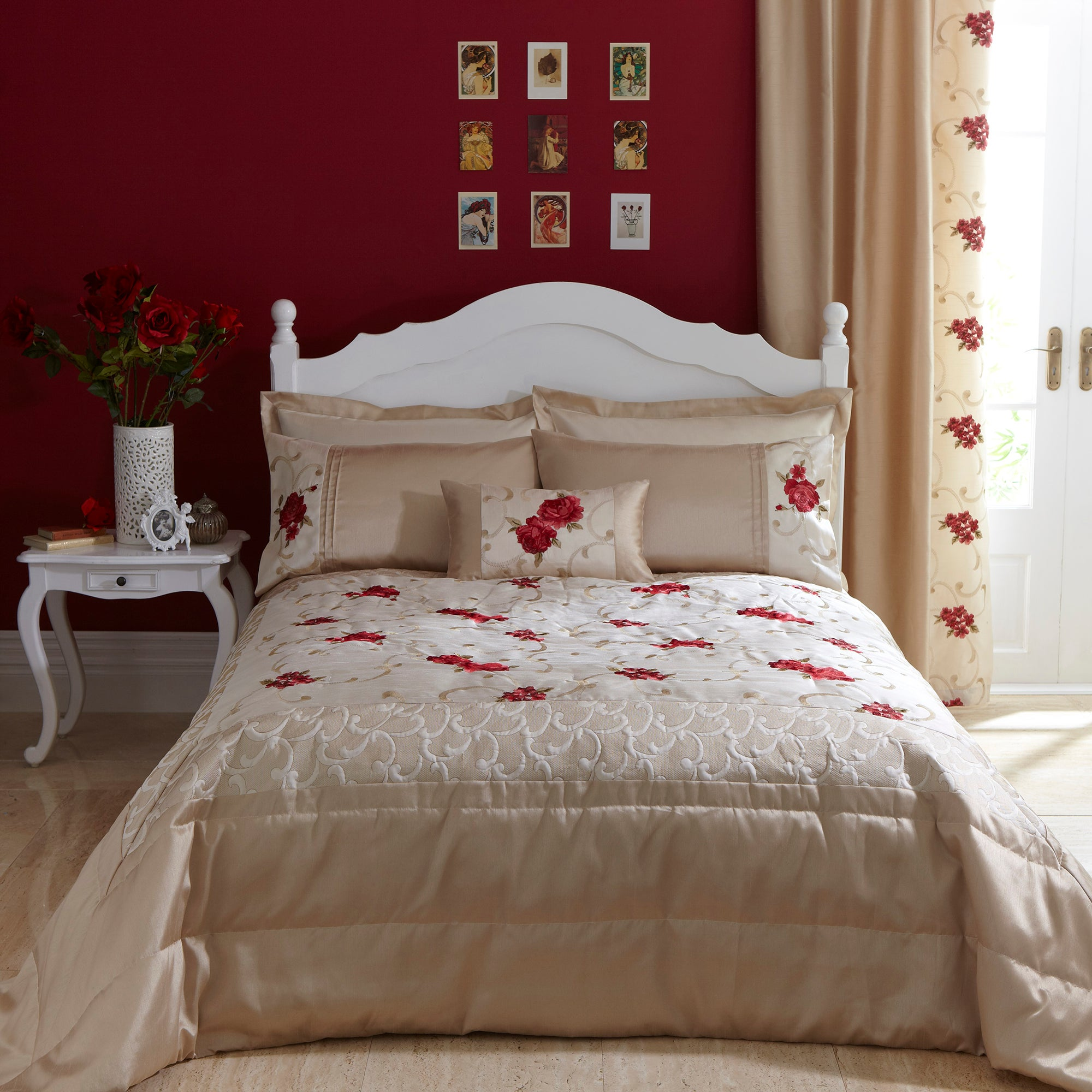 Red Juliet Collection Bedspread