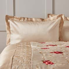 Red Juliet Collection Oxford Pillowcase