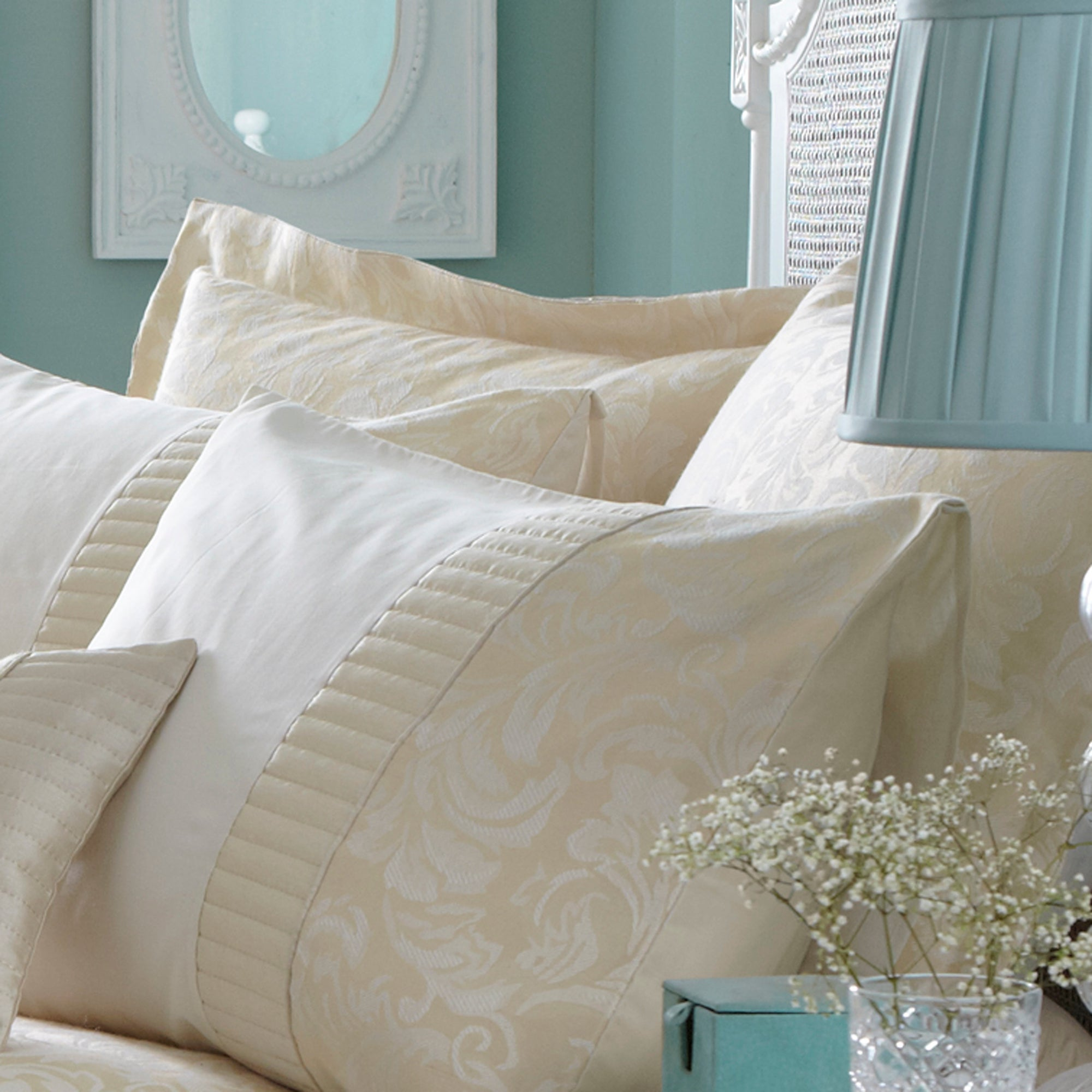 Cream Rebecca Collection Oxford Pillowcase