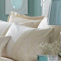 Cream Rebecca Collection Oxford Pillowcase