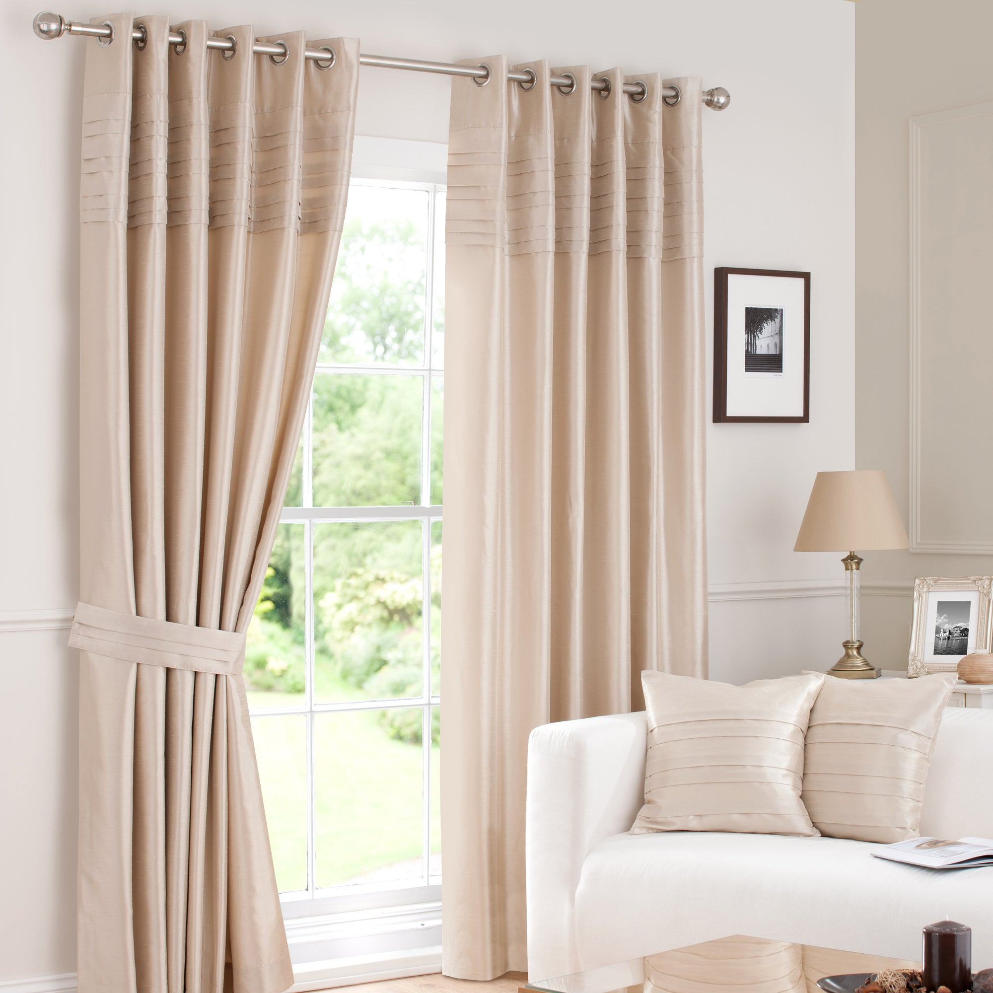 Hotel Oyster Pintuck Lined Eyelet Curtains