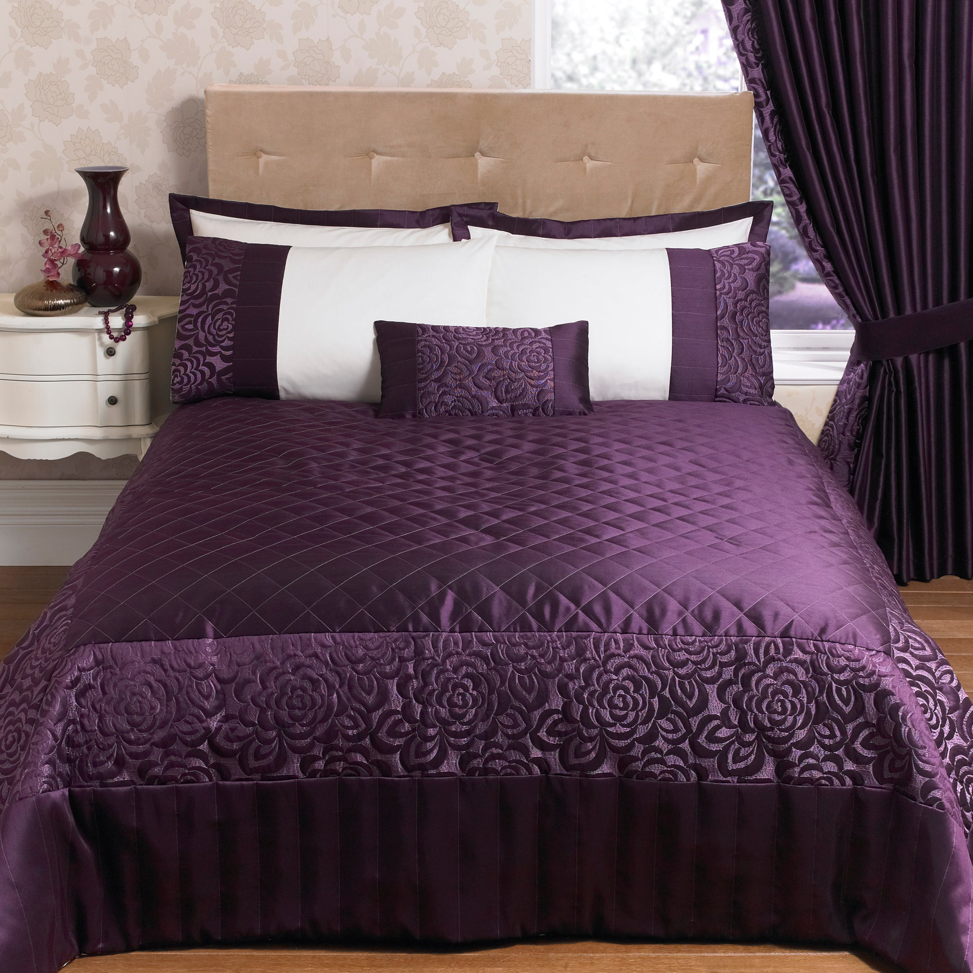 Plum Elizabeth Collection Bedspread