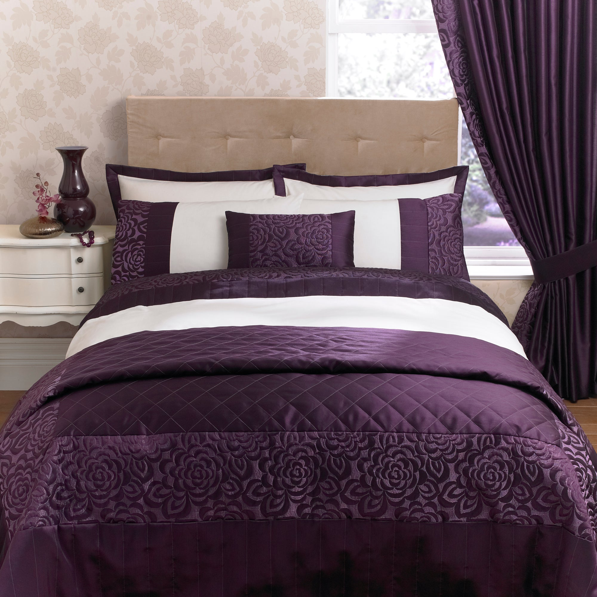 Plum Elizabeth Collection Duvet Cover