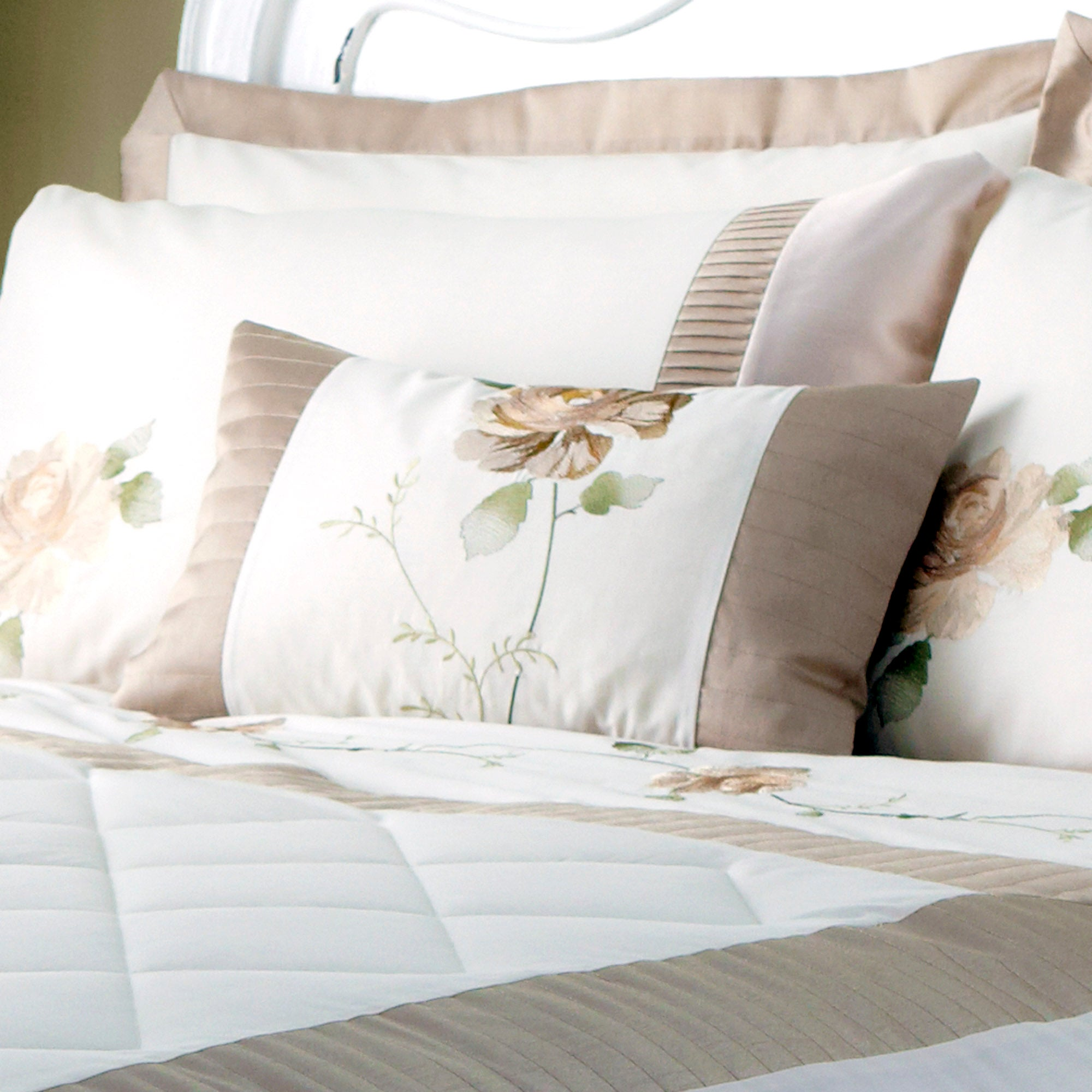 Gold Rosa Bedlinen Collection