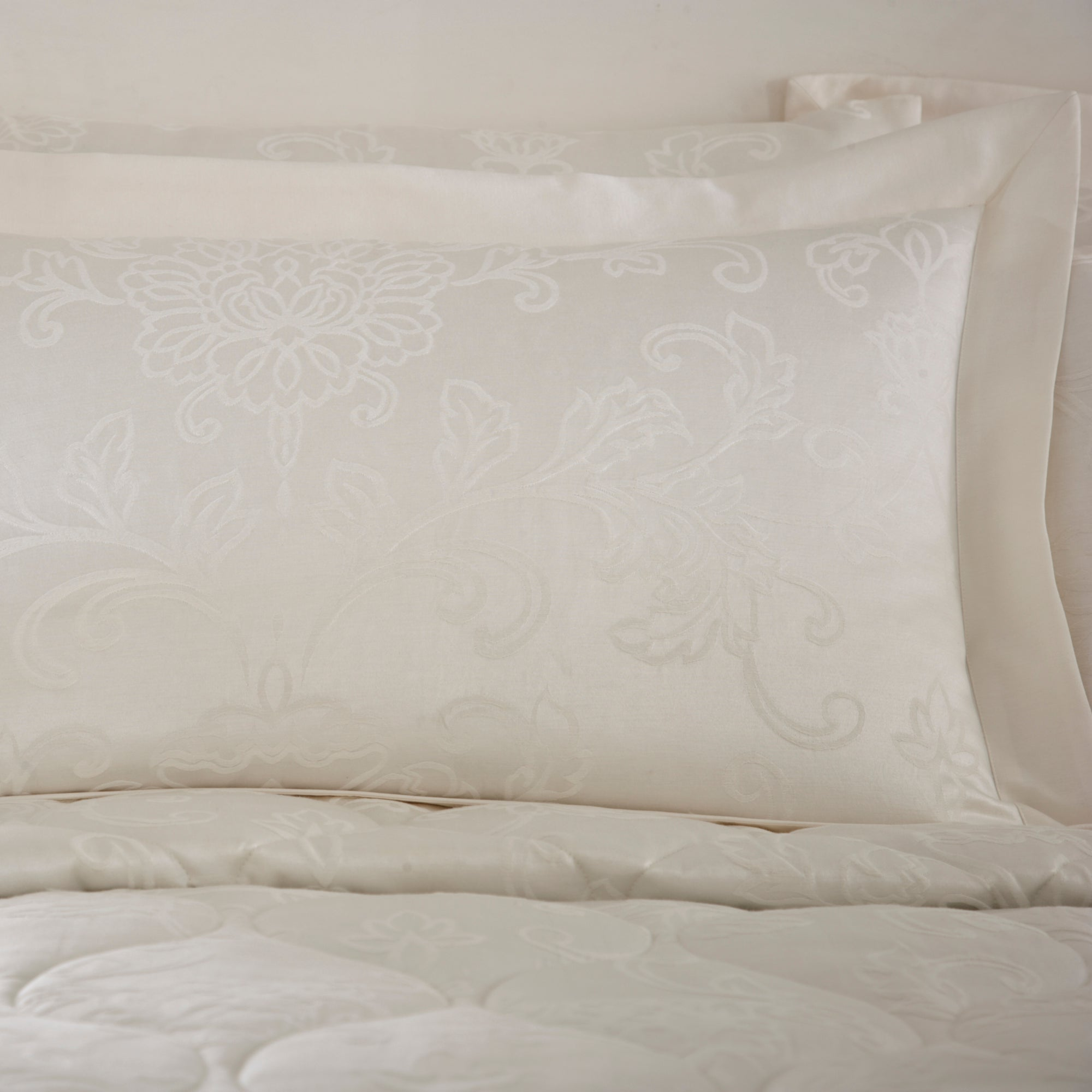 Dorma Cream Pascale Collection Oxford Pillowcase