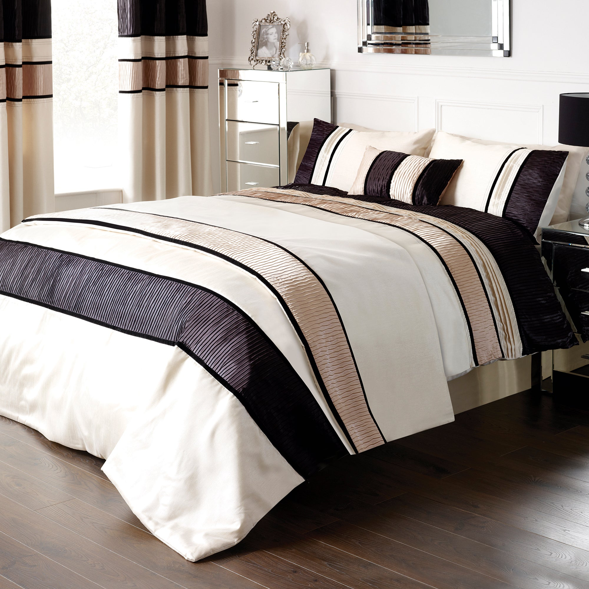 Black Manhattan Bedlinen Collection