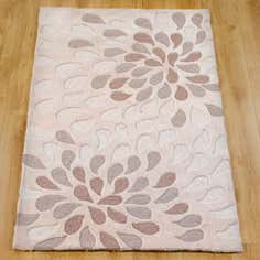 Natural Bloom Spray Rug