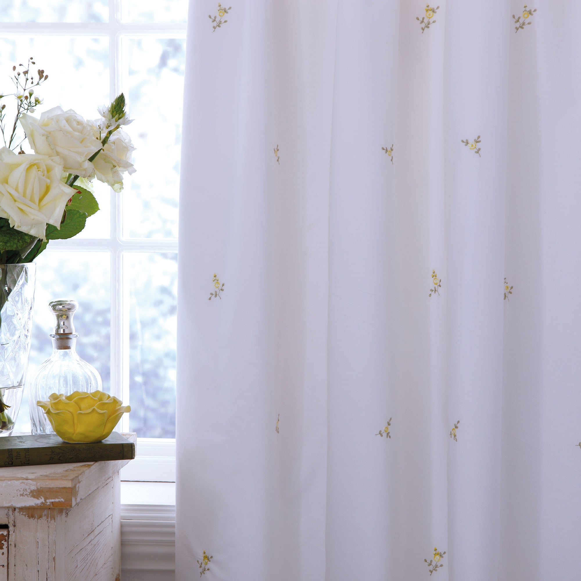 White Abby Rosebud Thermal Pencil Pleat Curtains