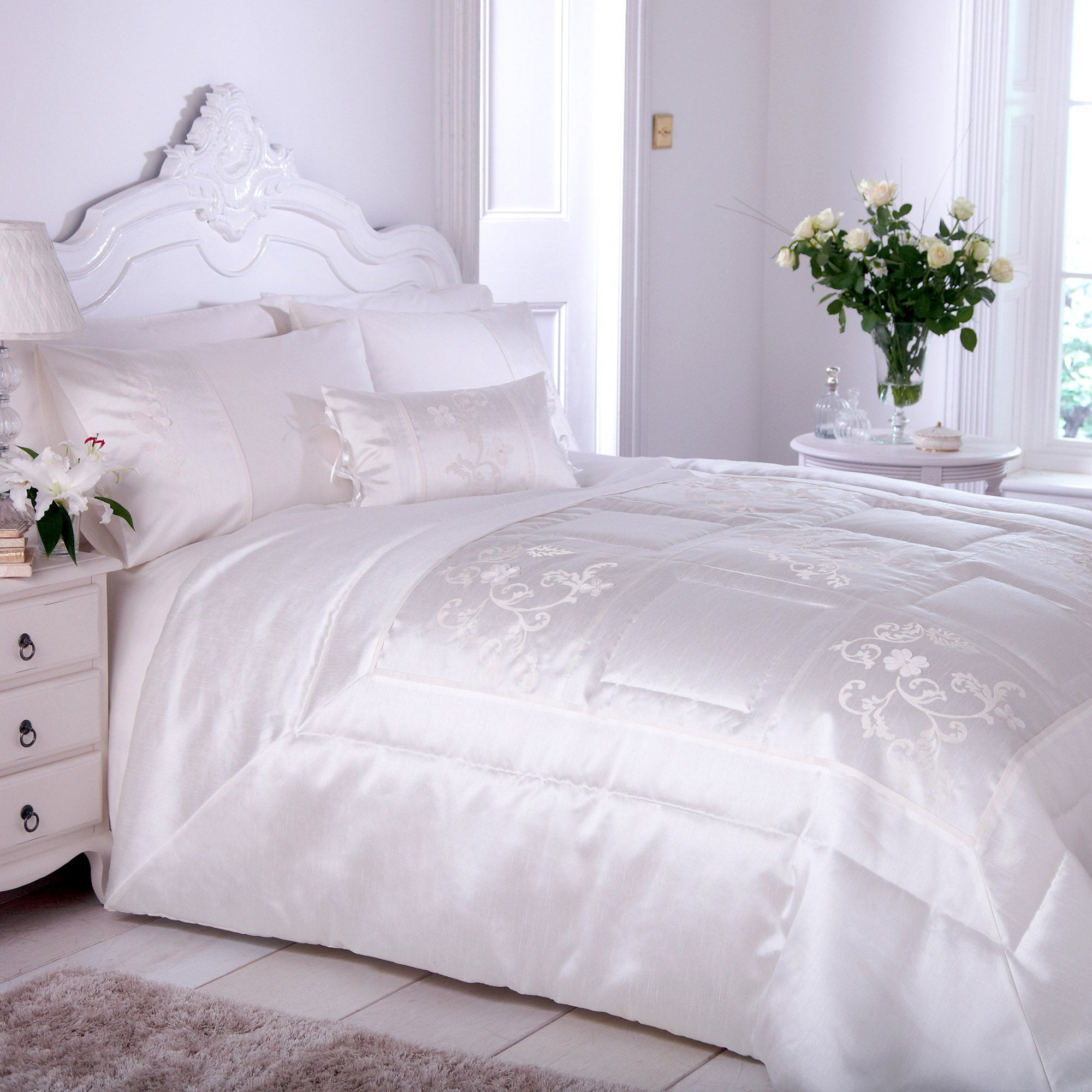 Ivory Clarence Bedlinen Collection