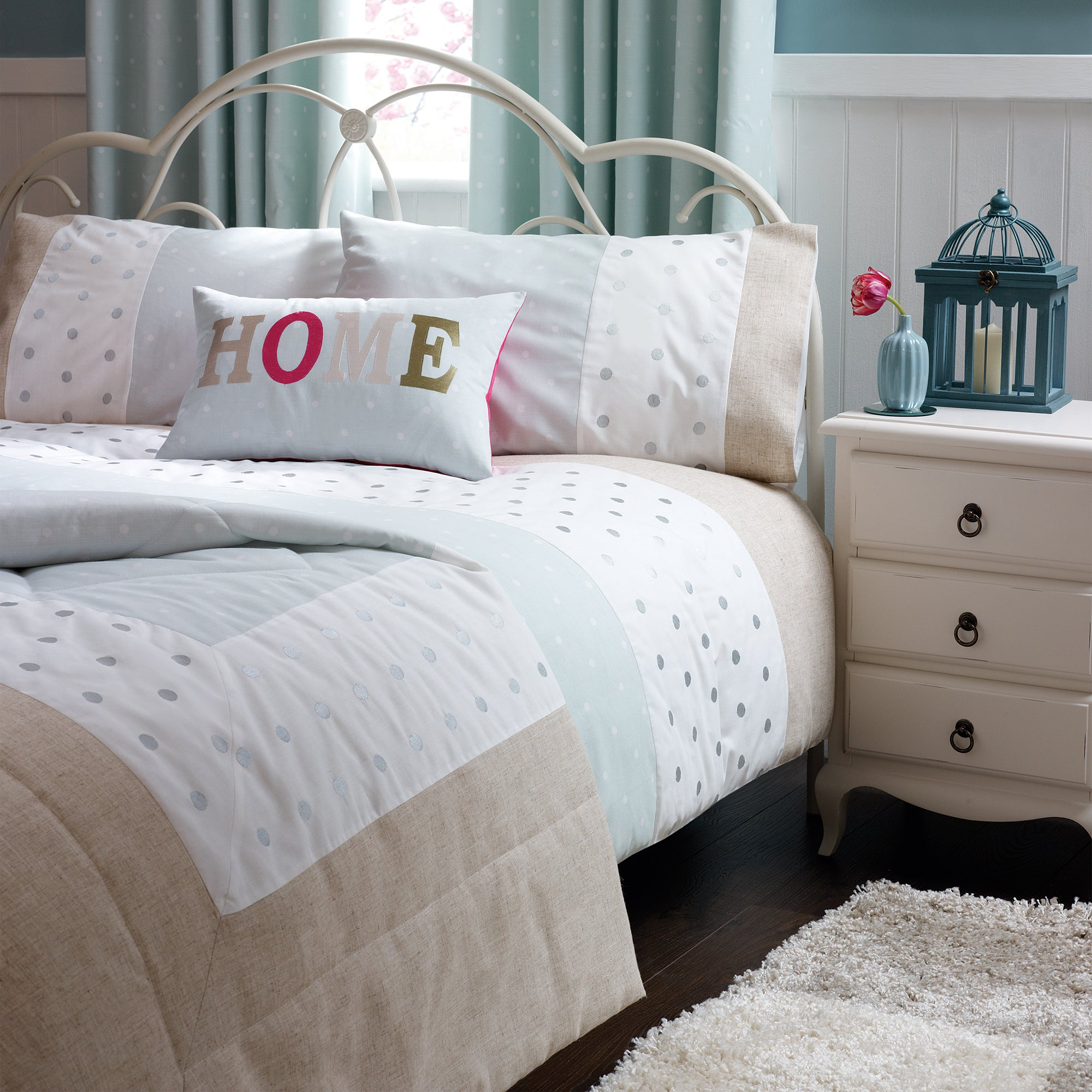 Duck Egg Country Spot Bedlinen Collection