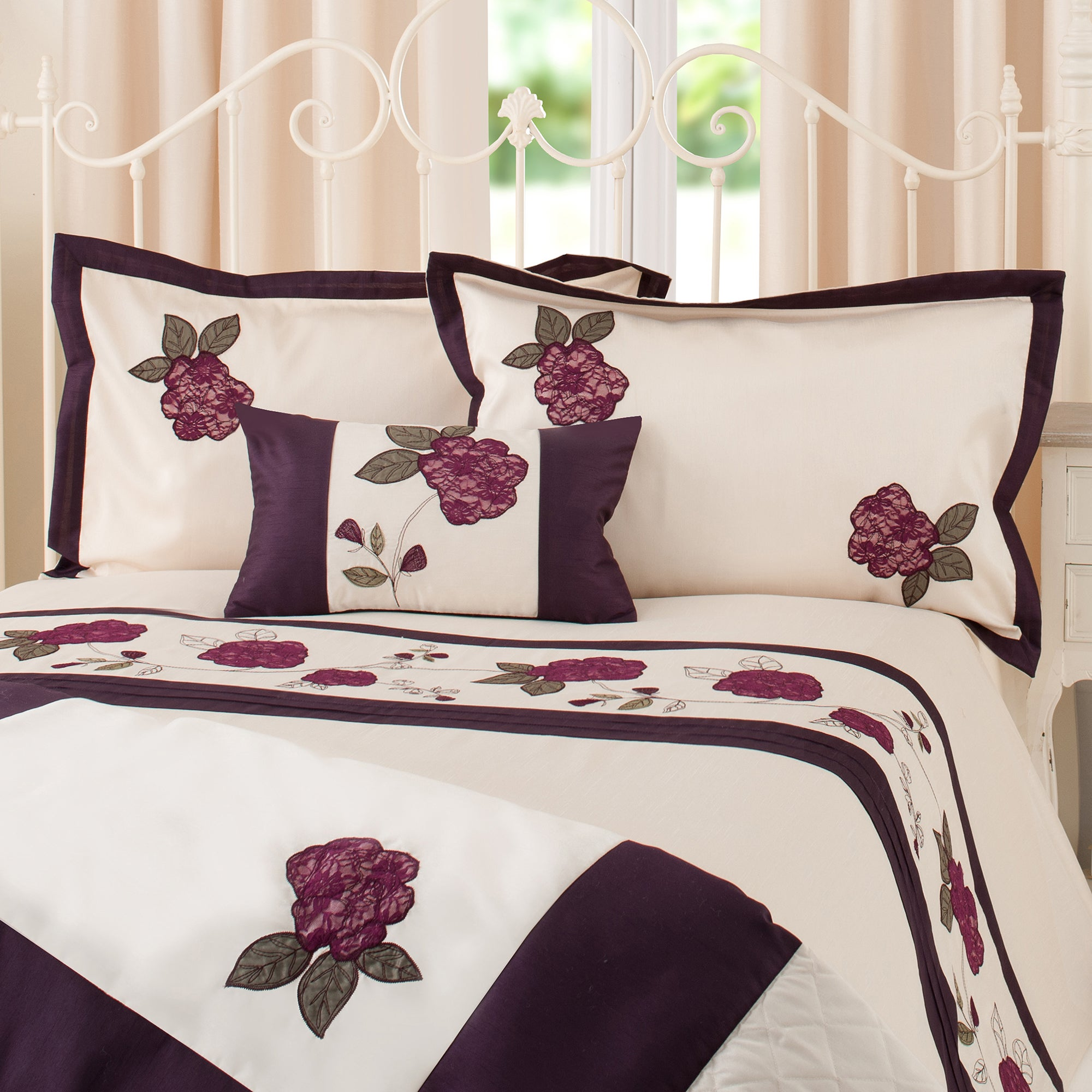 Plum Lace Rose Collection Oxford Pillowcase