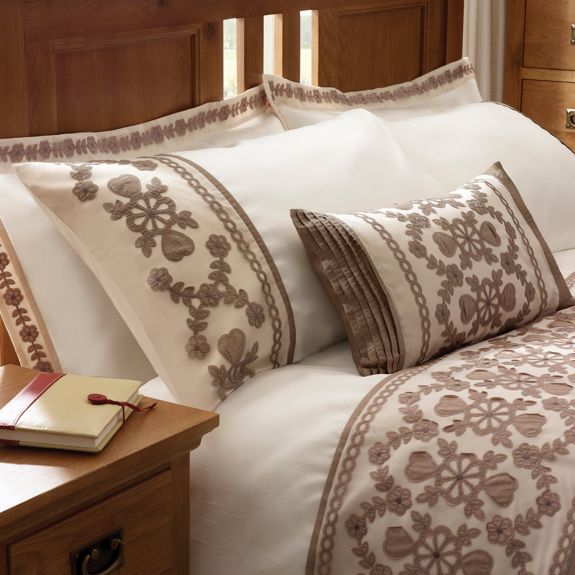 Latte Arabella Bedlinen Collection