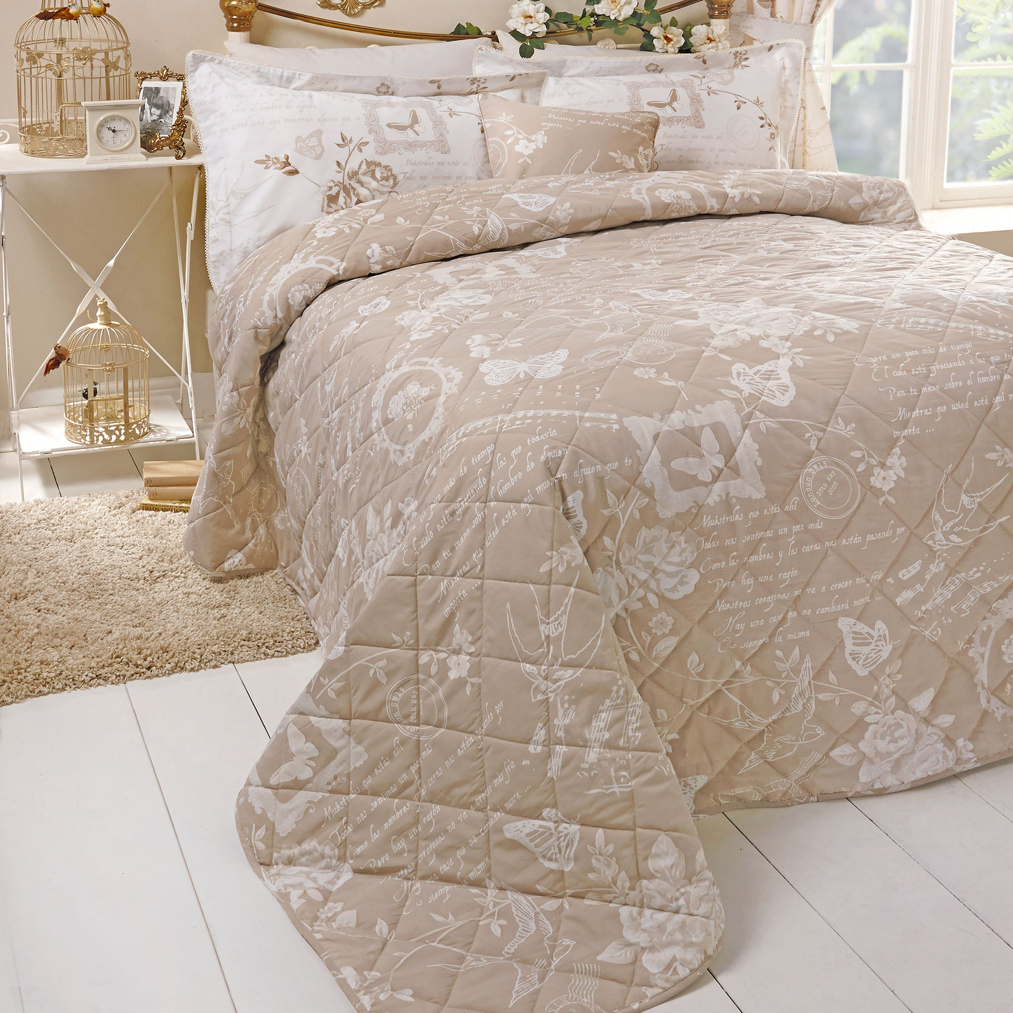 Latte Nostalgic Bluebird Collection Bedspread