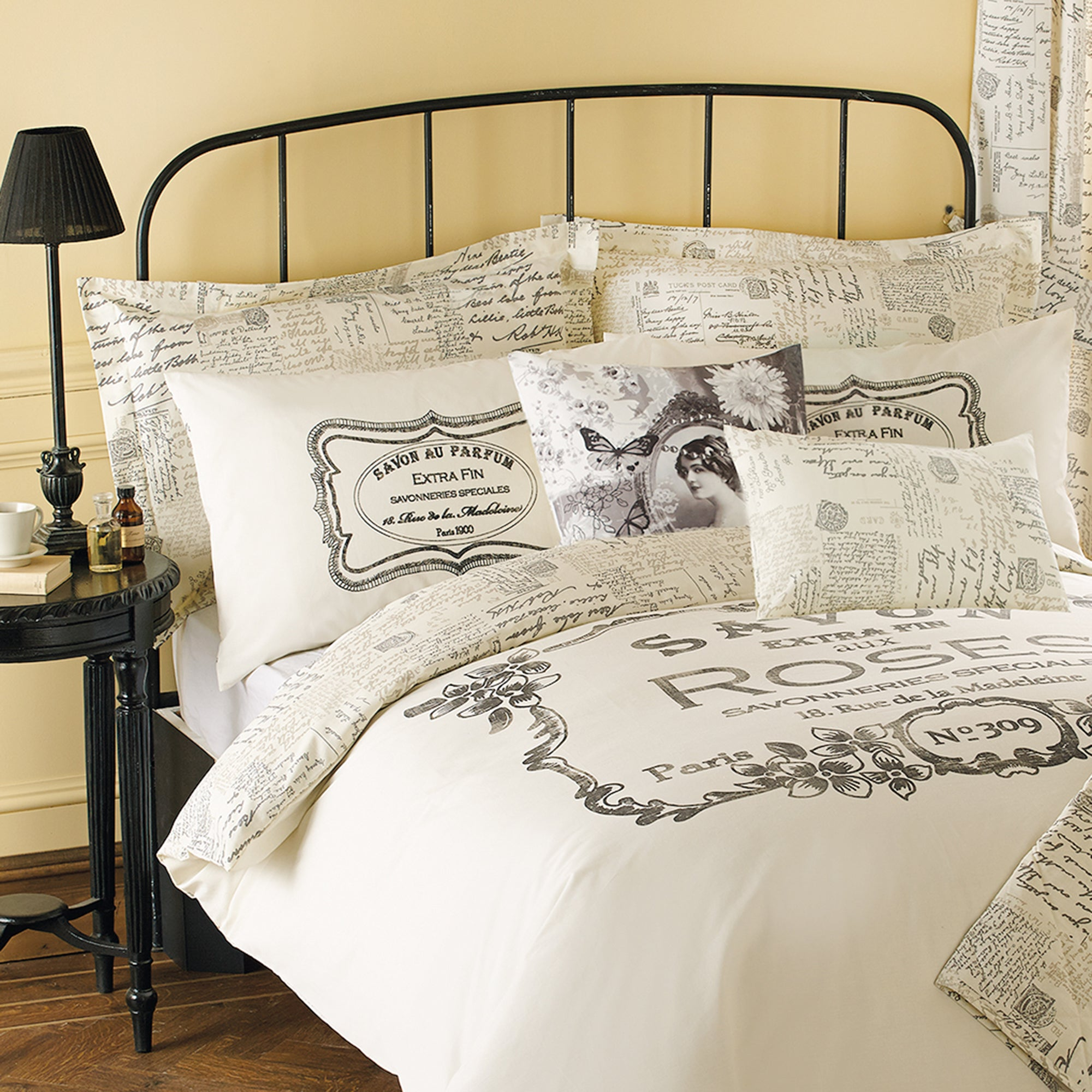Cream Vintage Paris Collection Oxford Pillowcase