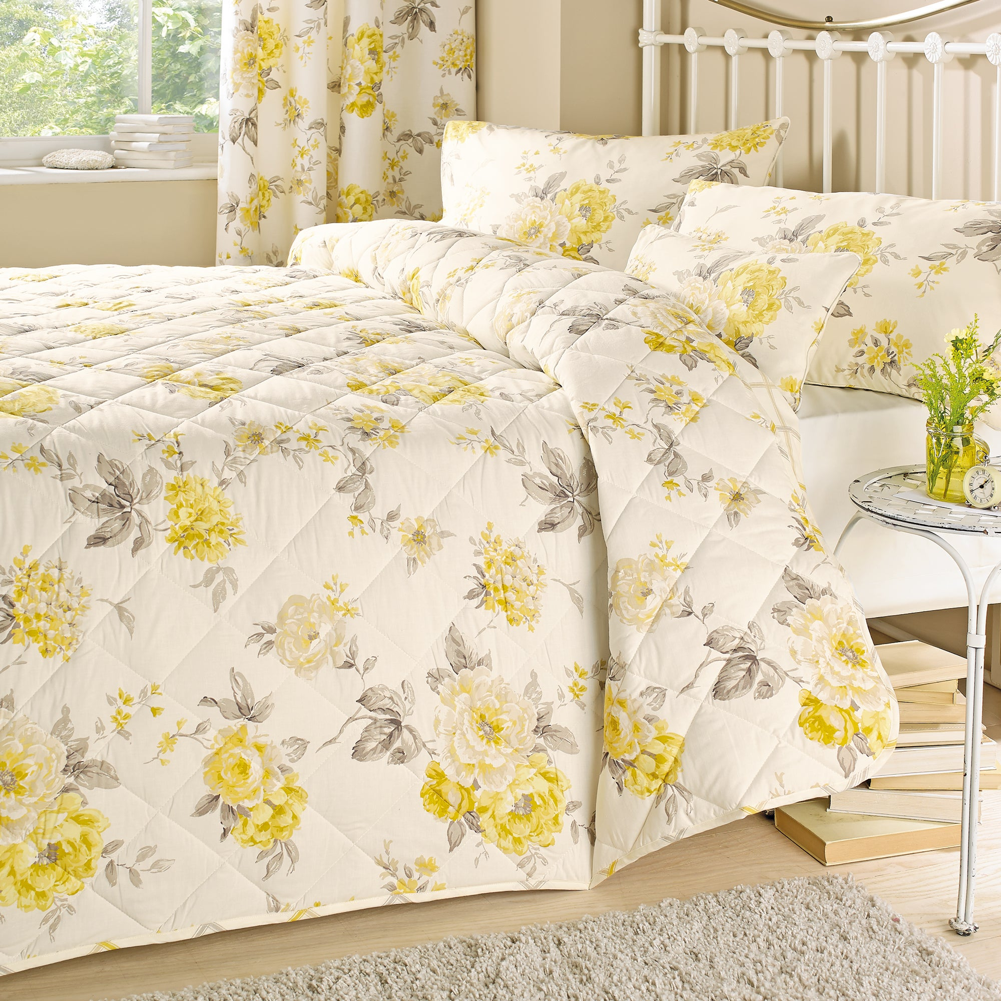 Lemon Windermere Collection Bedspread