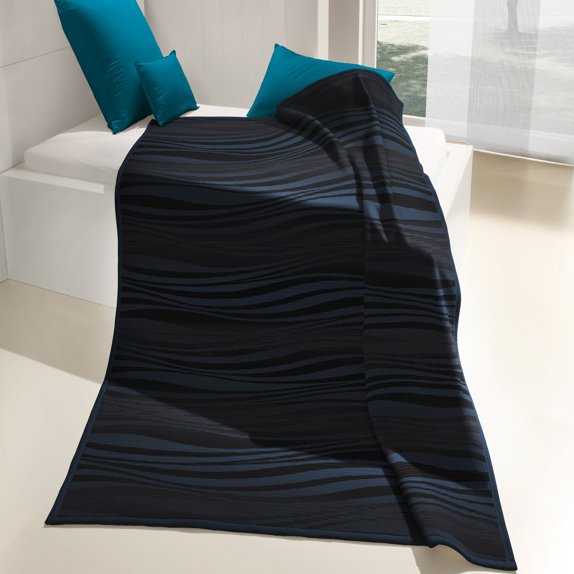 Thermosoft Blue Flow Throw