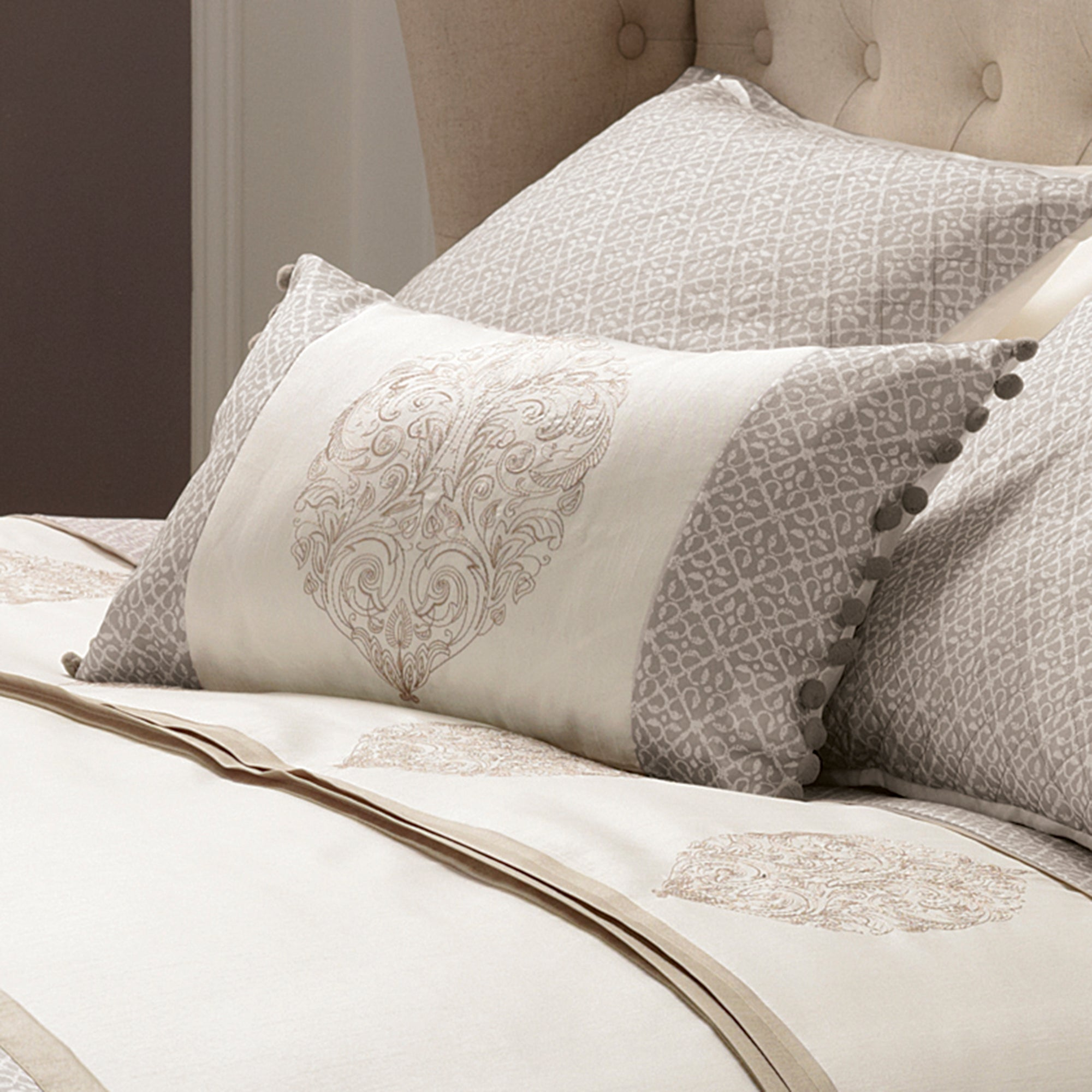 Gold Filigree Bedlinen Collection
