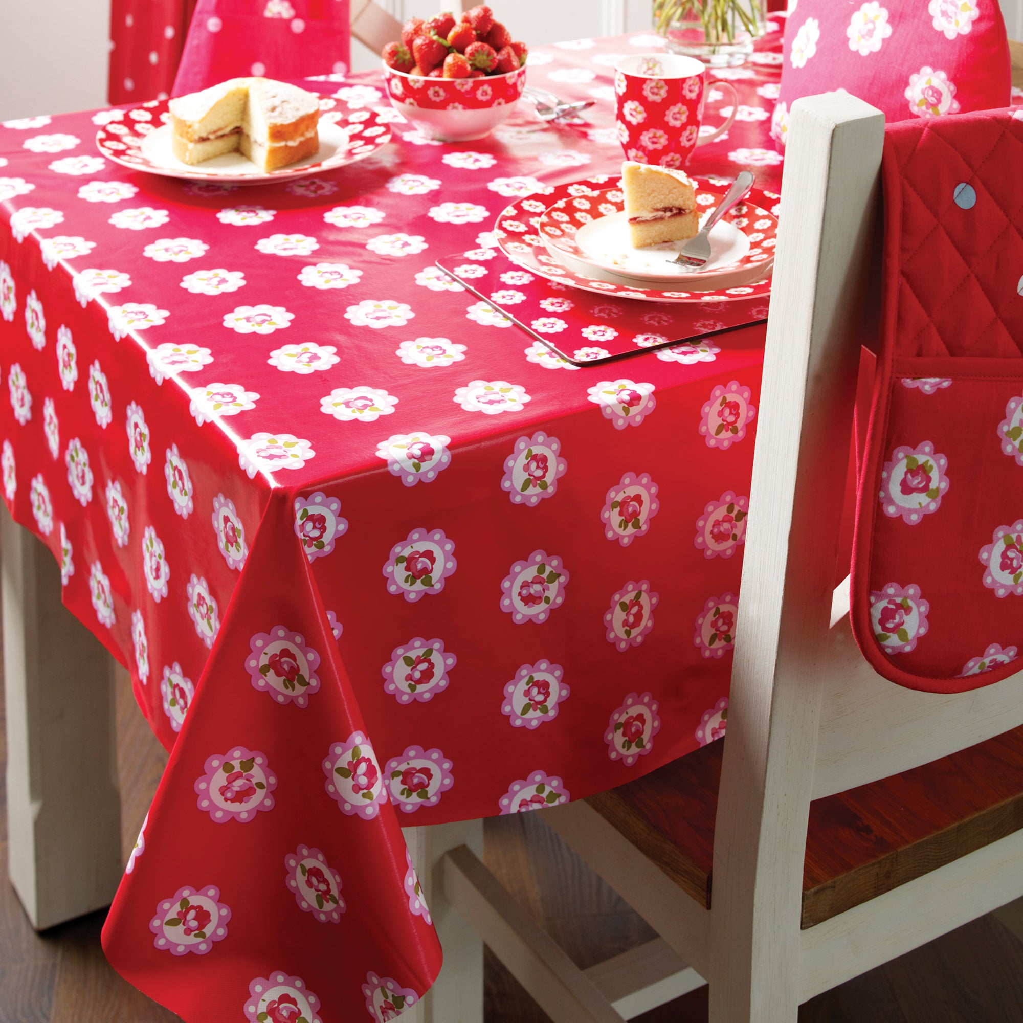 Rose and Ellis Allexton Collection PVC Round Tablecloth