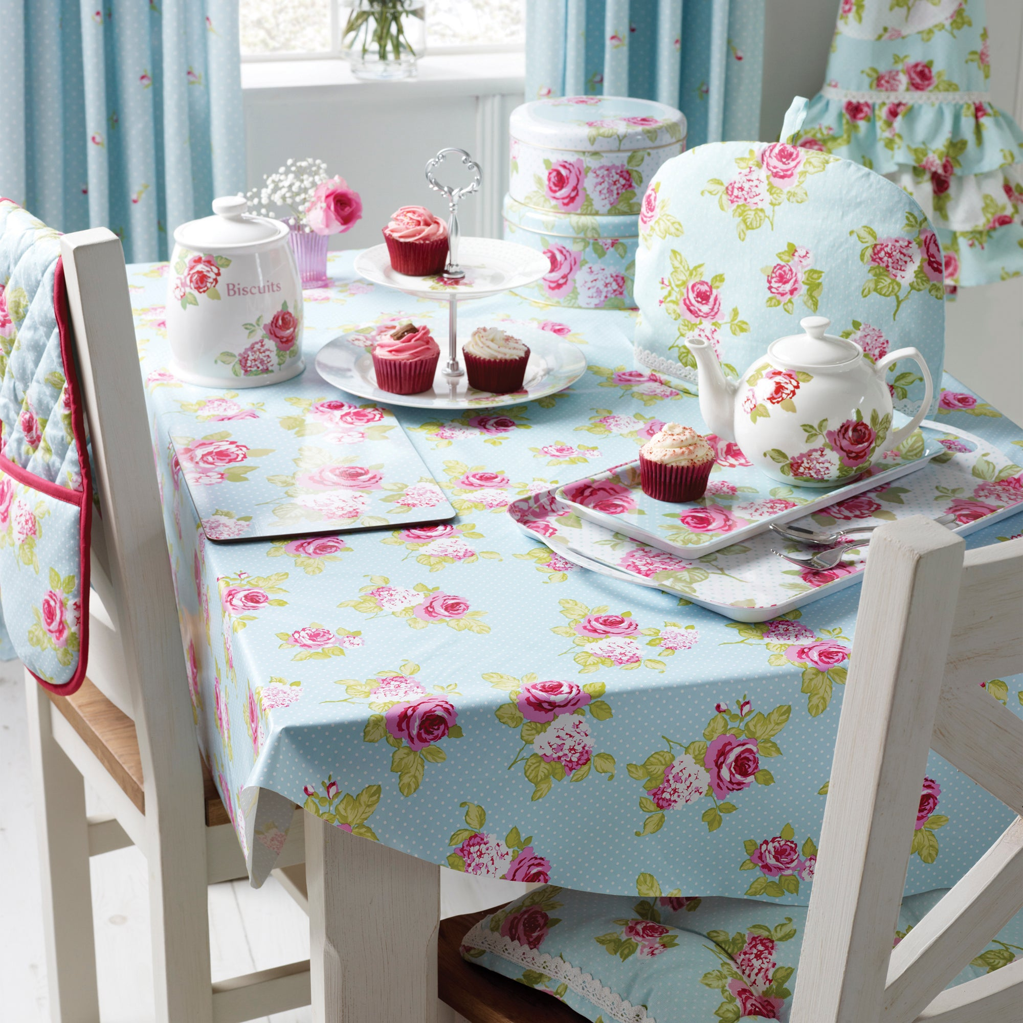 Rose and Ellis Clarendon Collection PVC Round Tablecloth