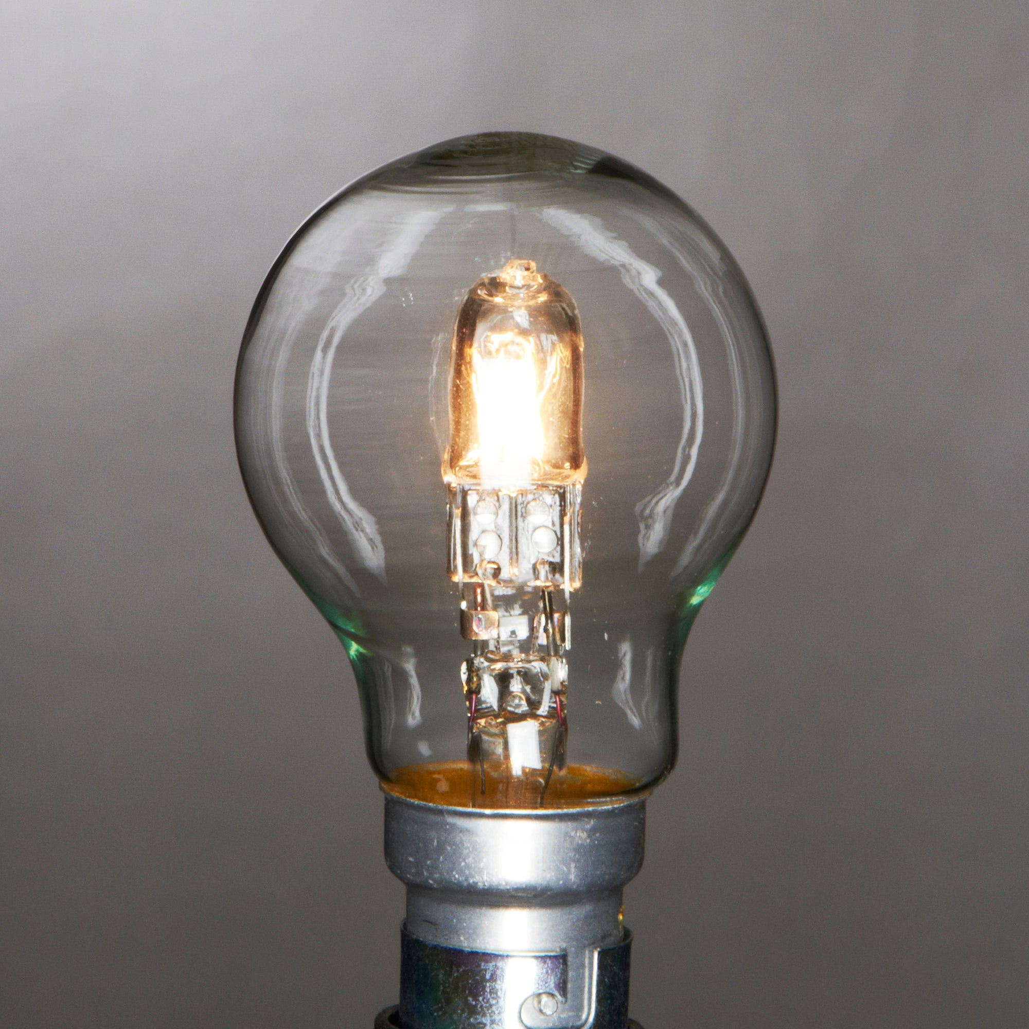 Status Eco Halogen GLS BC 28 Watt Bulb