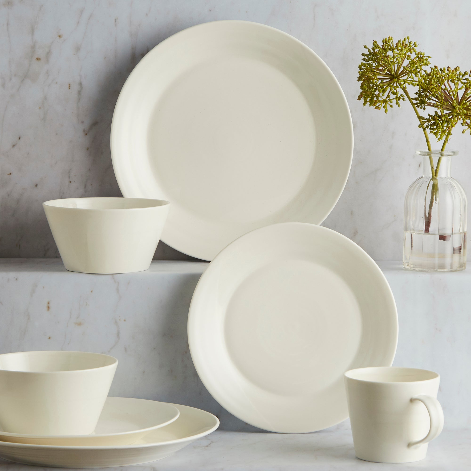 Royal Doulton White 1815 Collection 16 Piece Dinnerset