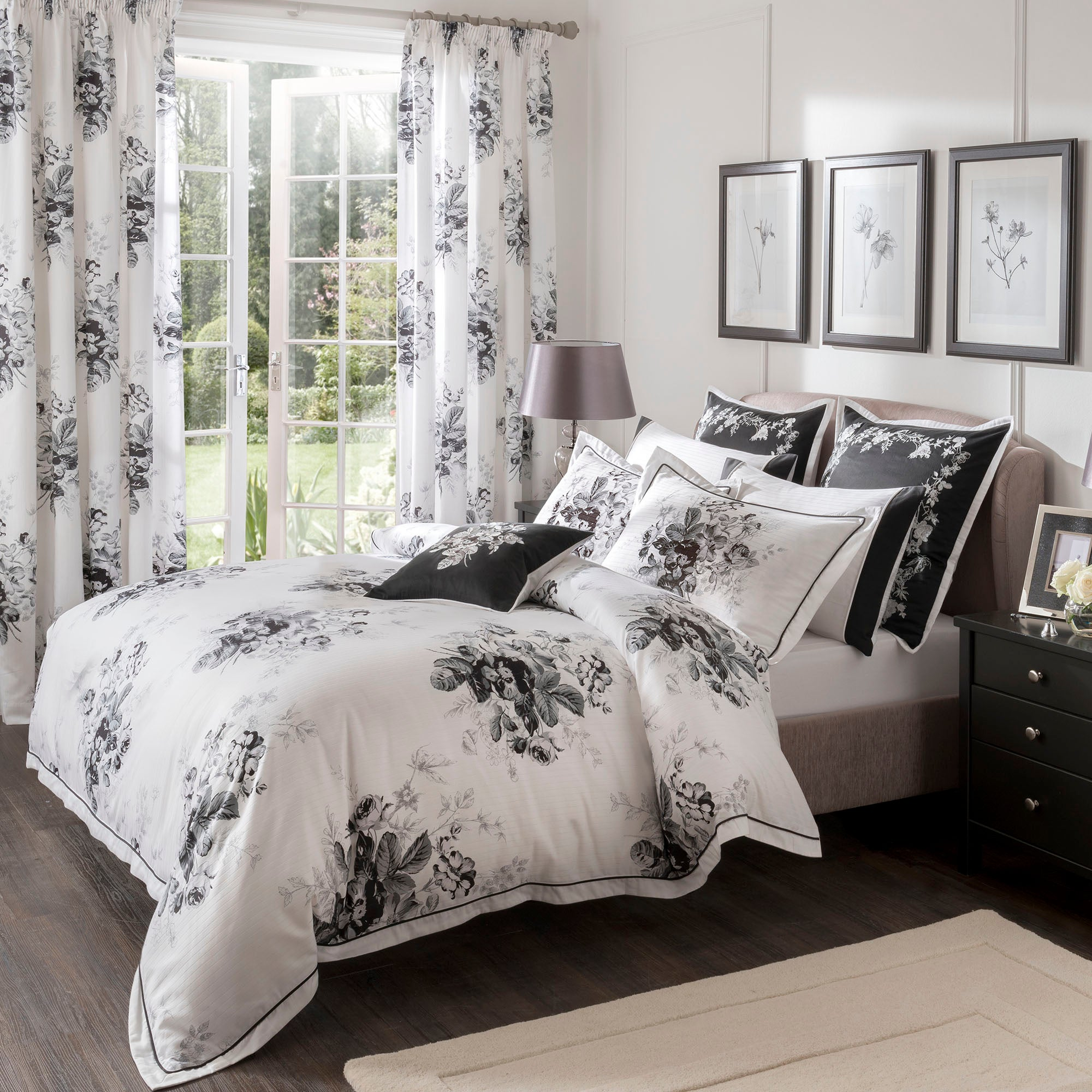 dorma black and white gardenia collection duvet cover dunelm. Black Bedroom Furniture Sets. Home Design Ideas