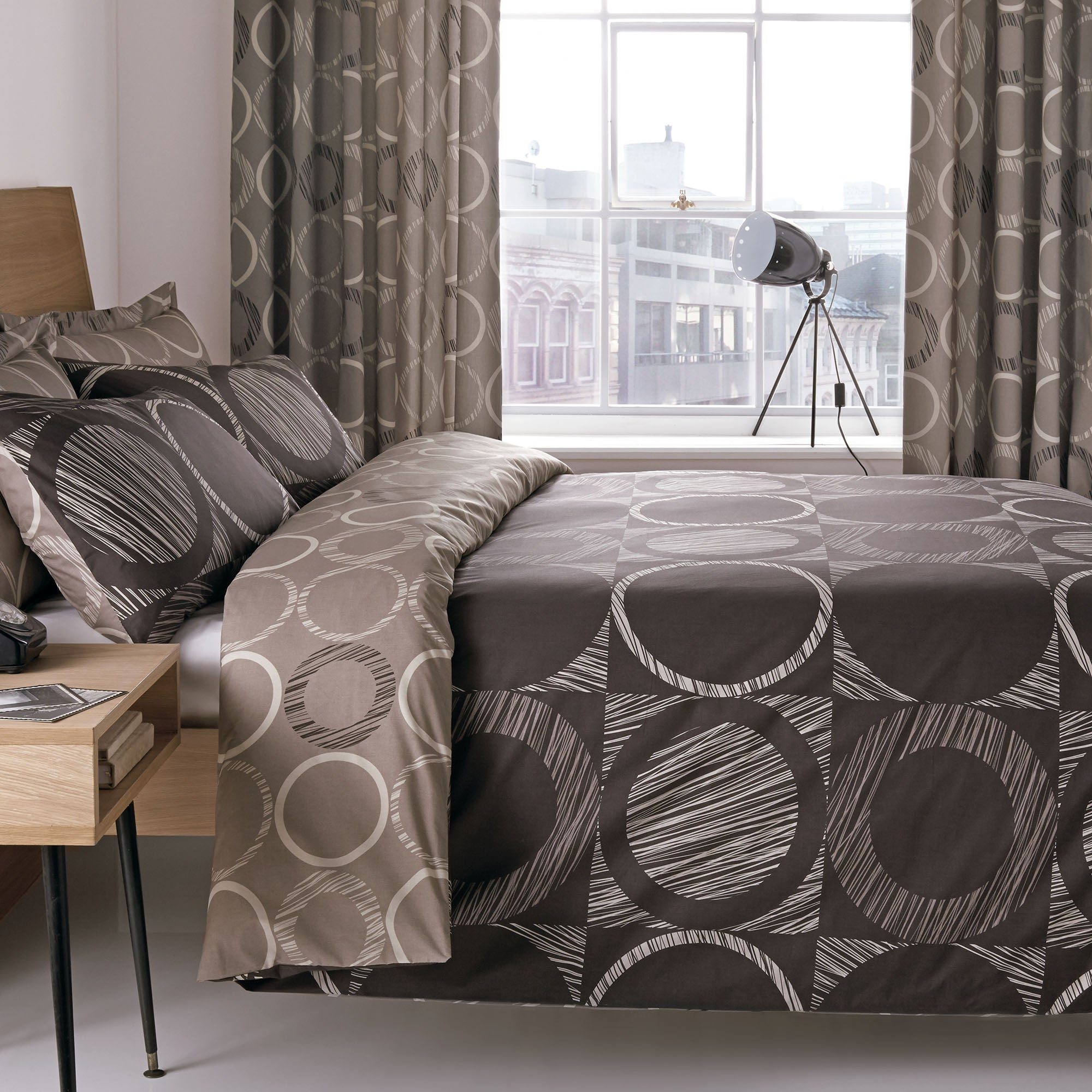 Chocolate Toronto Collection Duvet Cover Set