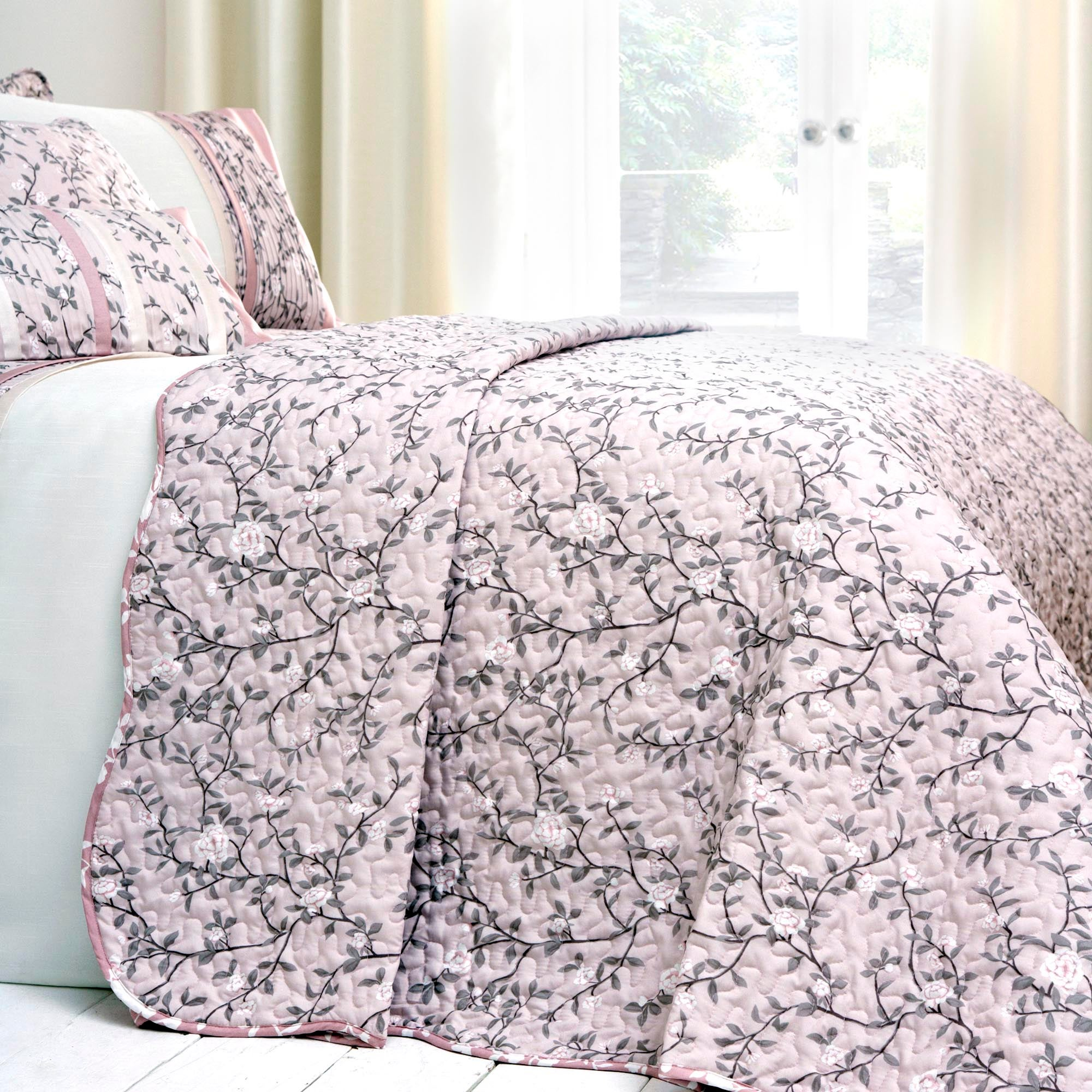 Dusky Pink Chinoiserie Collection Bedspread