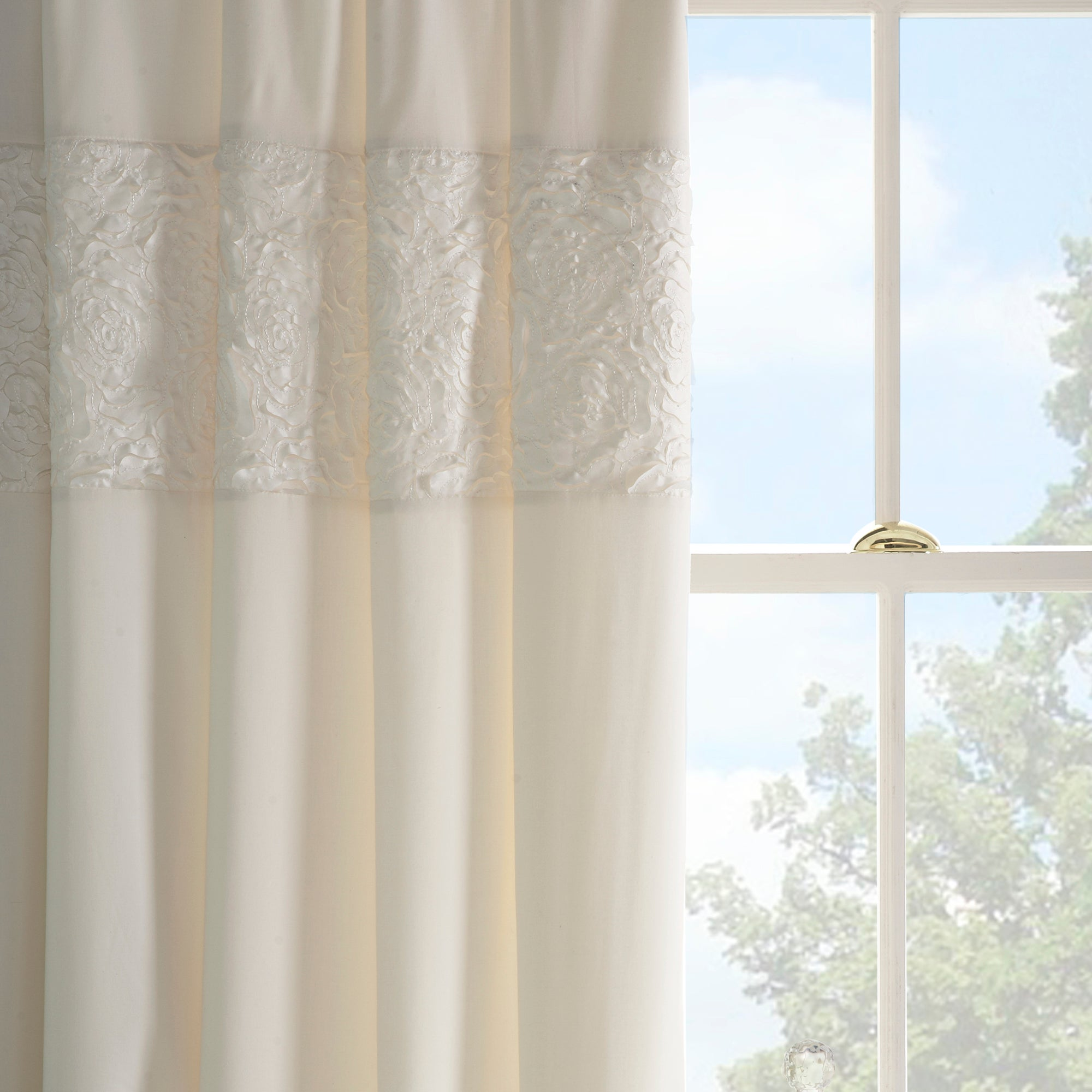 cream chloe rose thermal pencil pleat curtains dunelm. Black Bedroom Furniture Sets. Home Design Ideas
