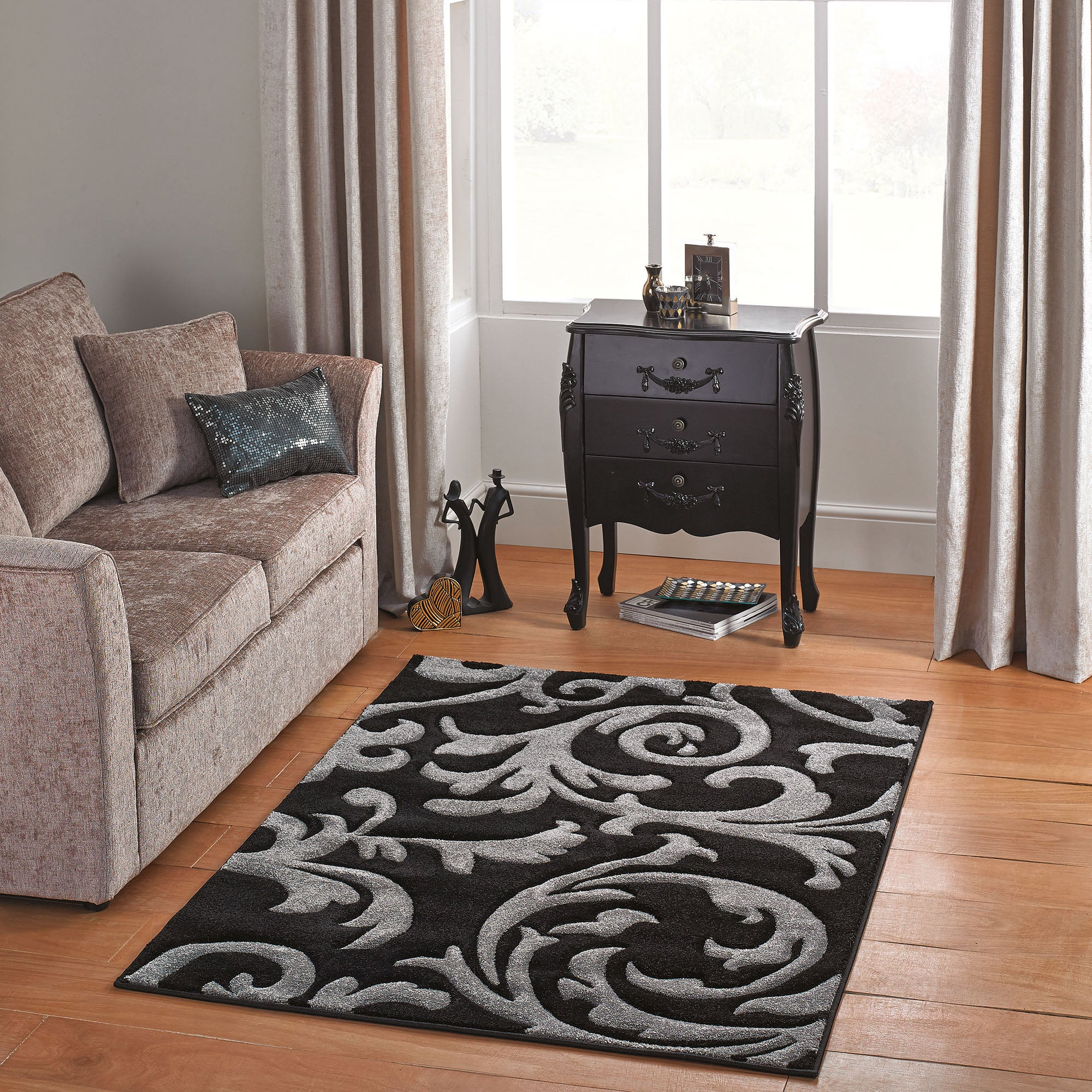 Black Reflection Rug