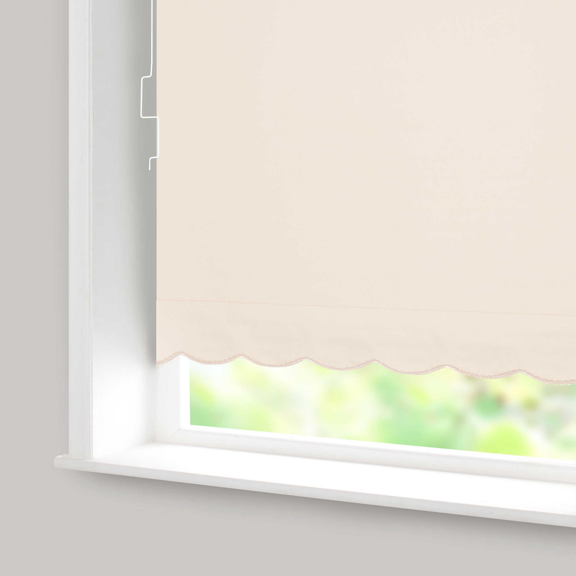 Scalloped Edged Blackout Cordless Roller Blind