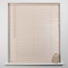White 25mm Hardwood Blind