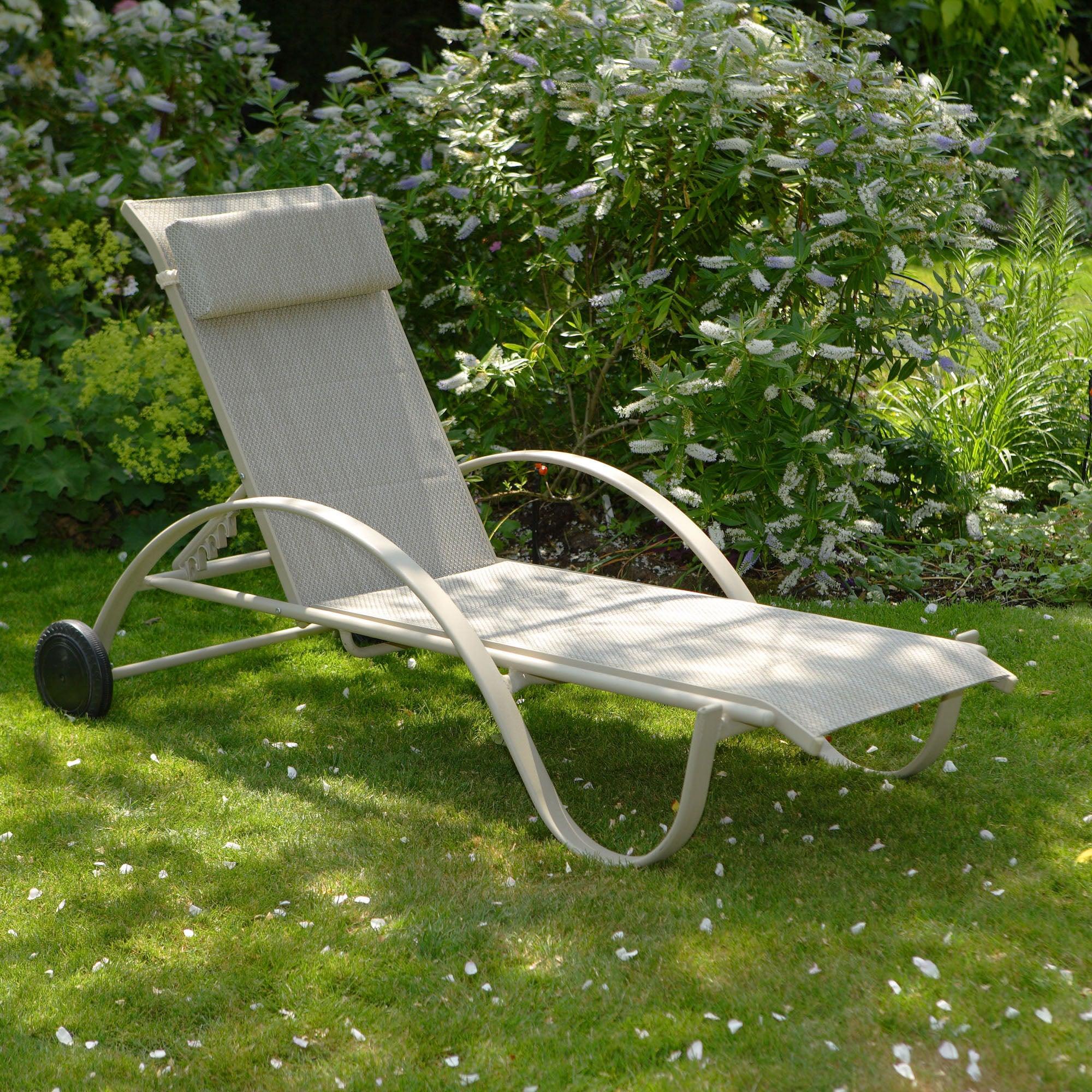 Tudor Wheeled Lounger