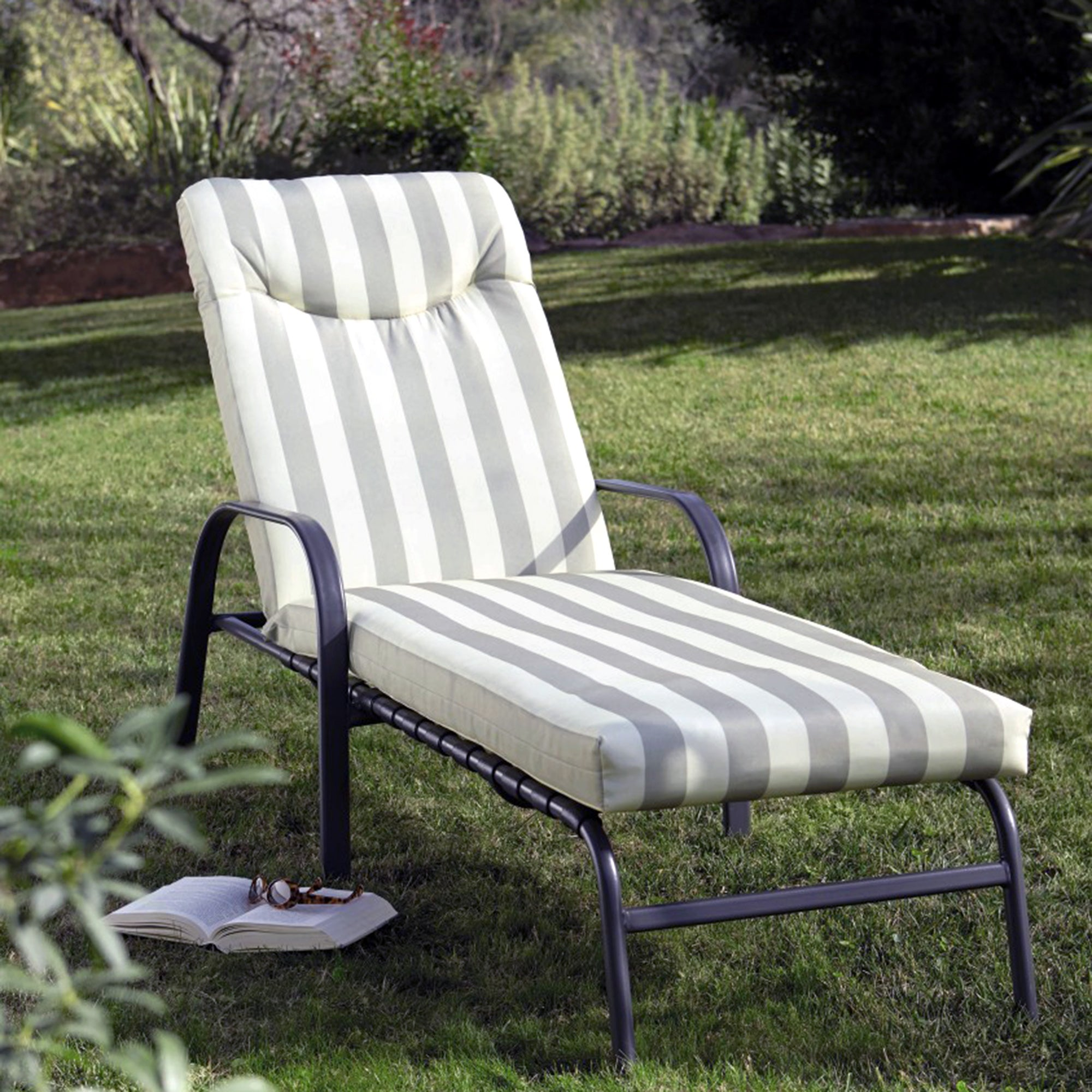Provence Adjustable Padded Lounger