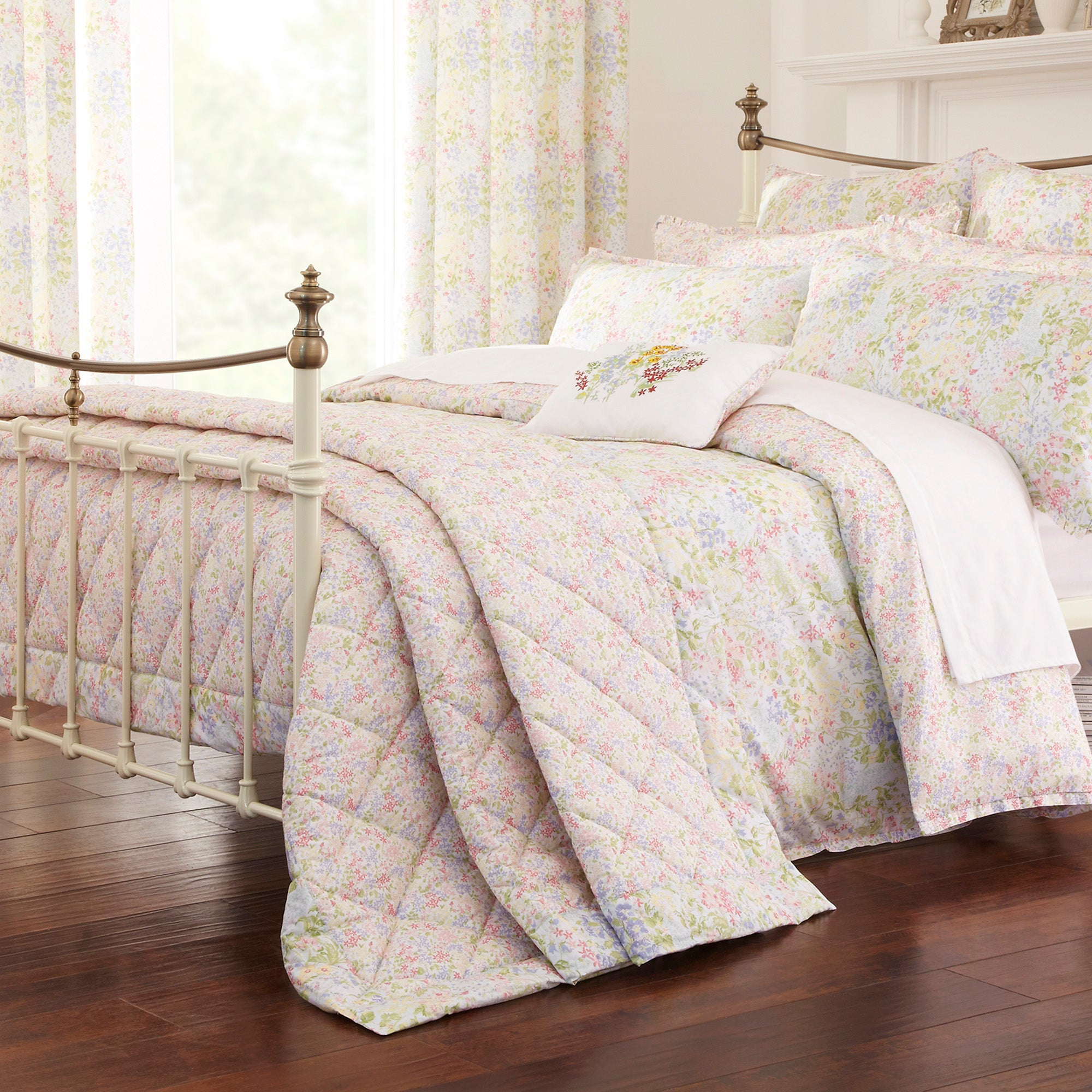 Dorma Country Garden Ashley Collection Throw